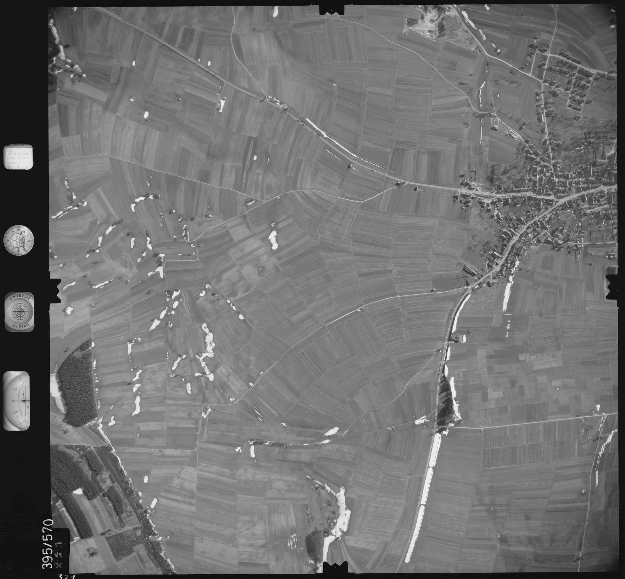 Luftbild: Film 24 Bildnr. 321, Bild 1
