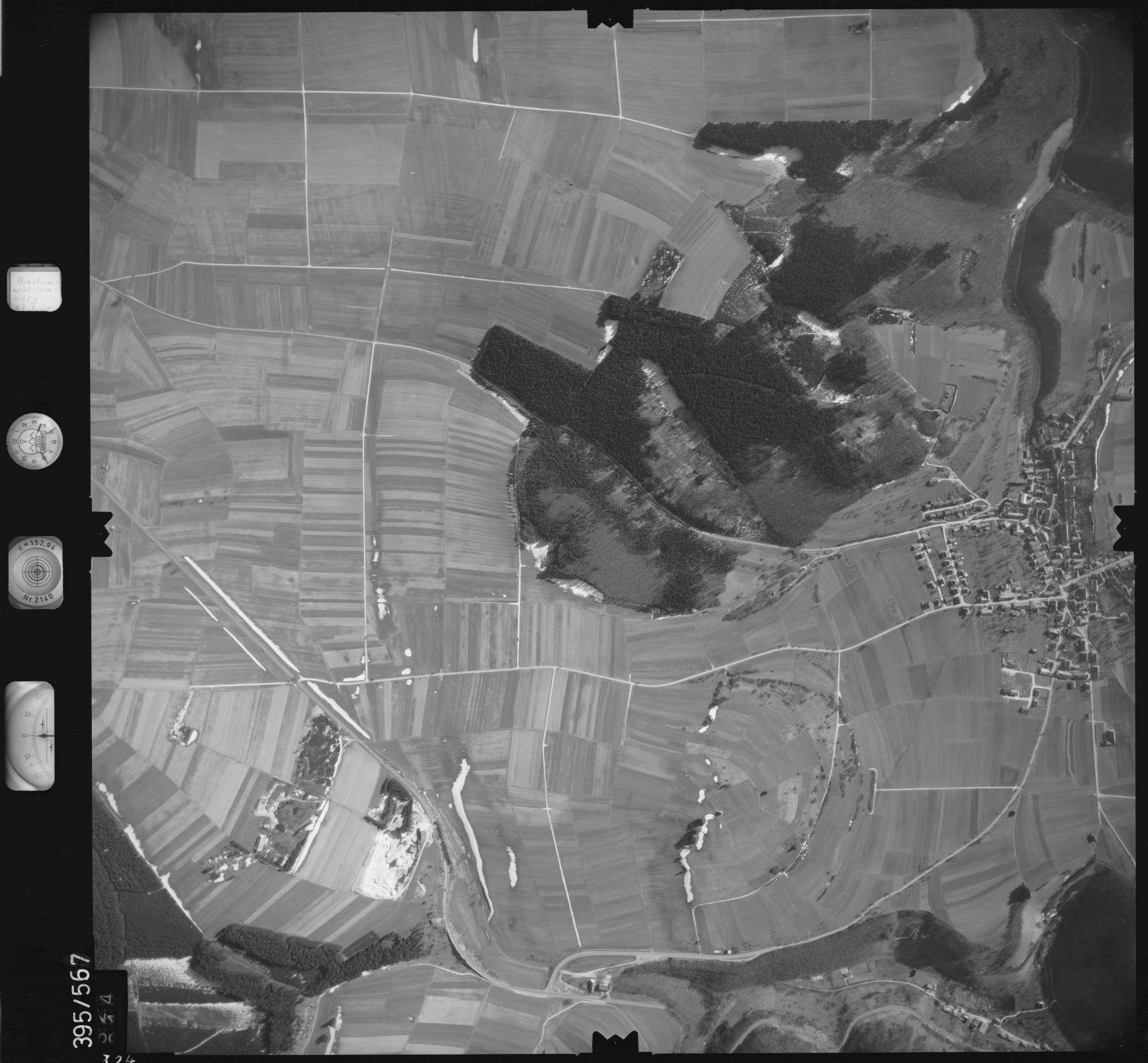 Luftbild: Film 24 Bildnr. 324, Bild 1