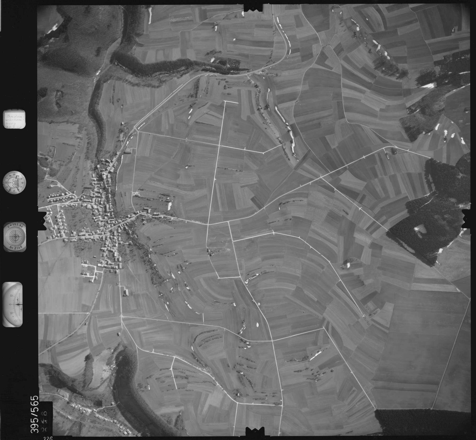Luftbild: Film 24 Bildnr. 326, Bild 1