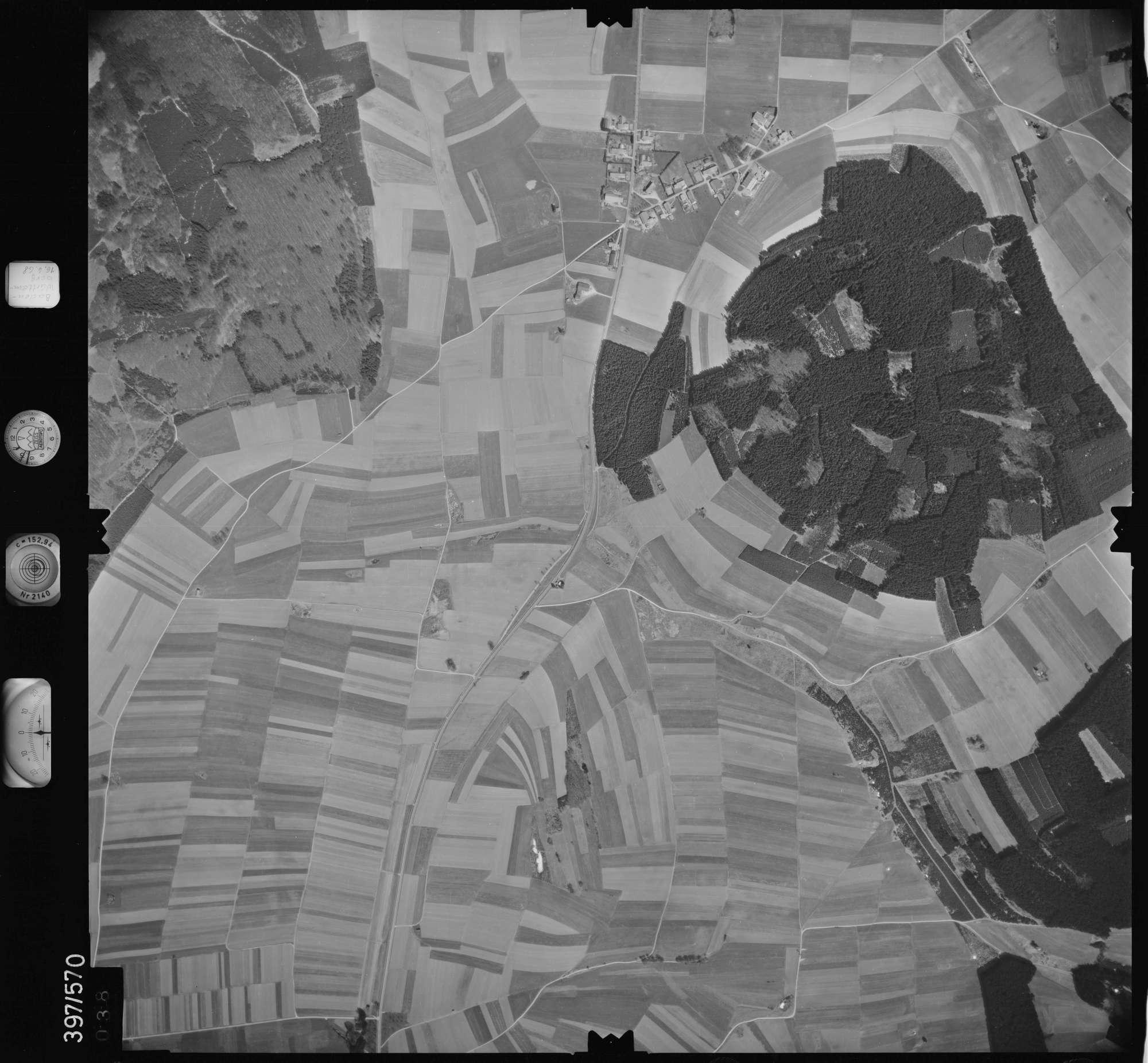 Luftbild: Film 32 Bildnr. 38, Bild 1