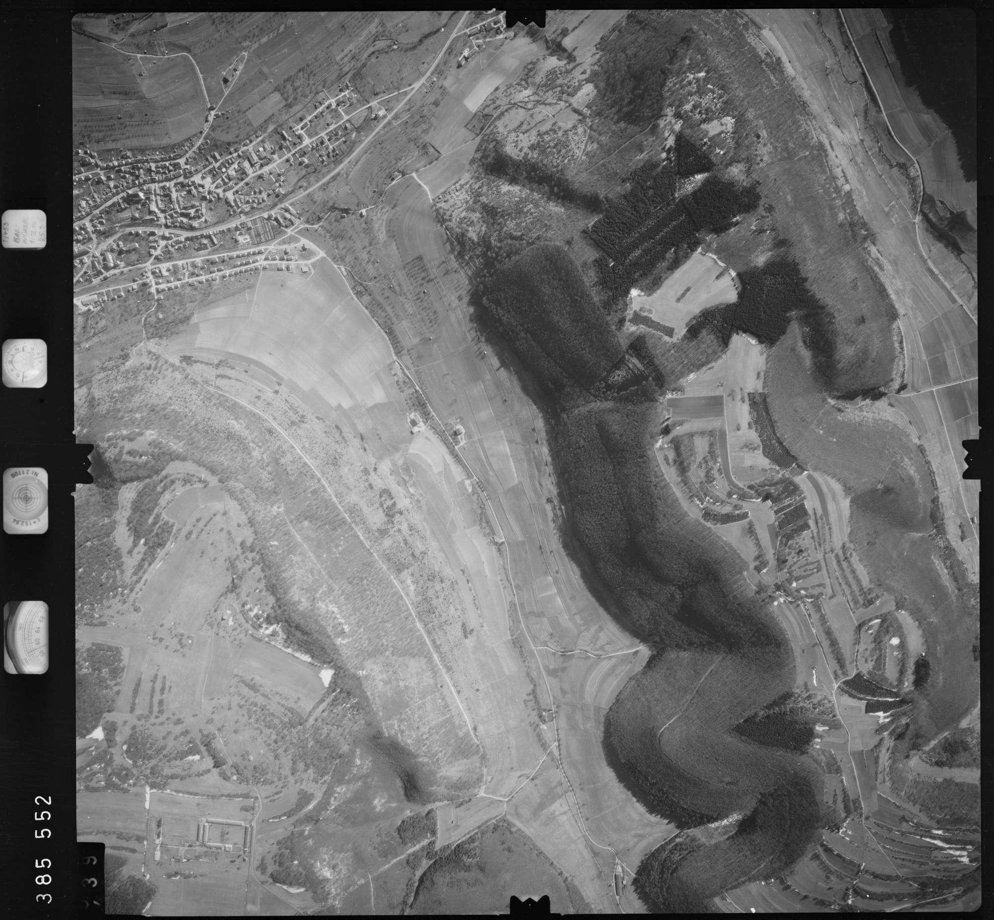 Luftbild: Film 23 Bildnr. 438, Bild 1