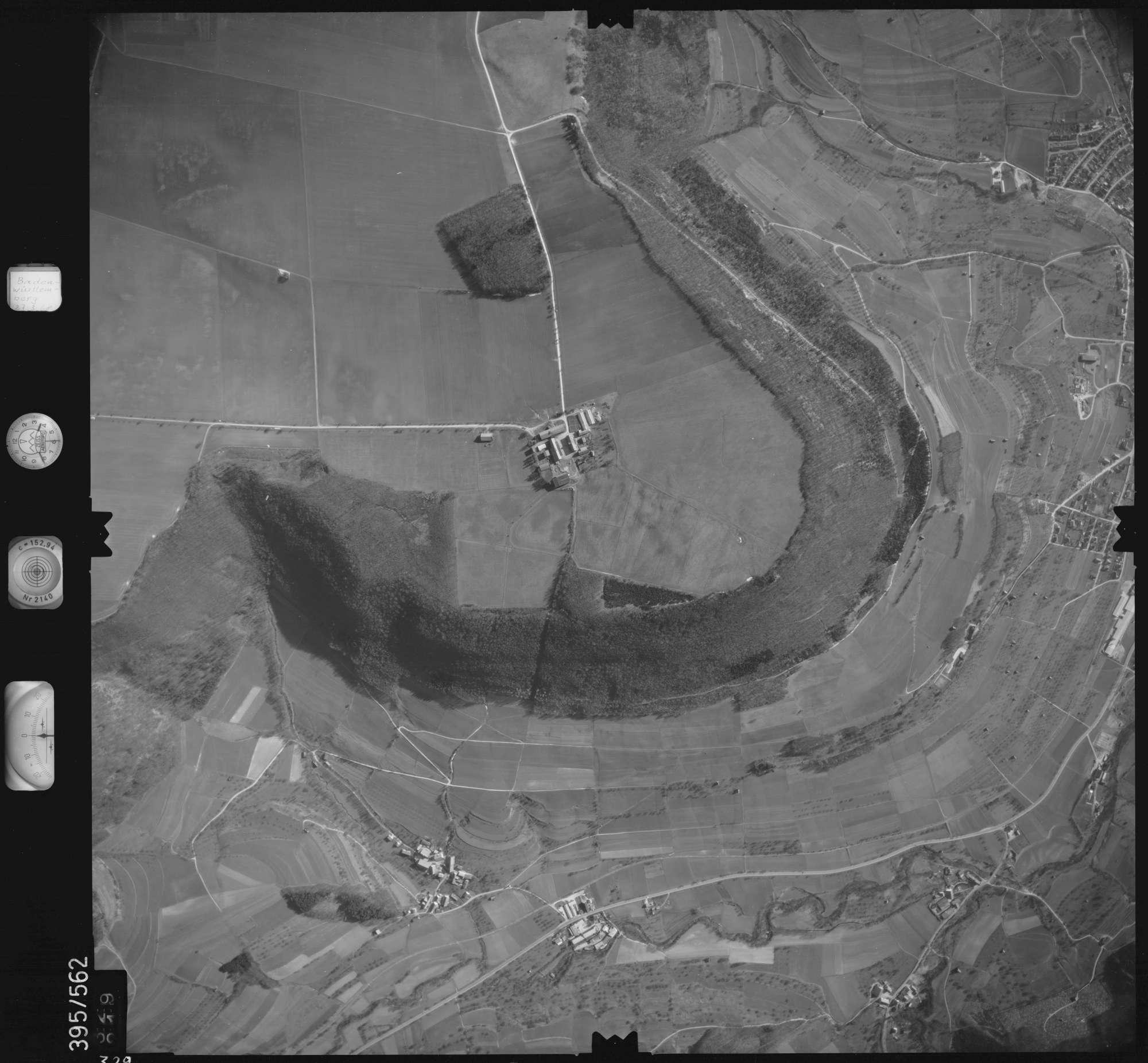 Luftbild: Film 24 Bildnr. 329, Bild 1
