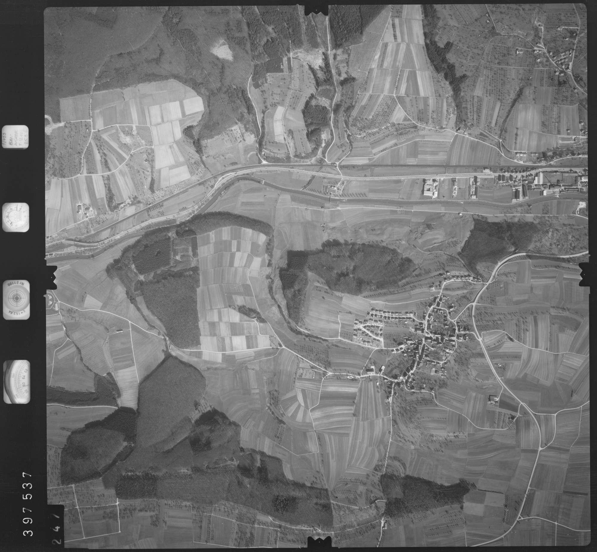 Luftbild: Film 17 Bildnr. 247, Bild 1