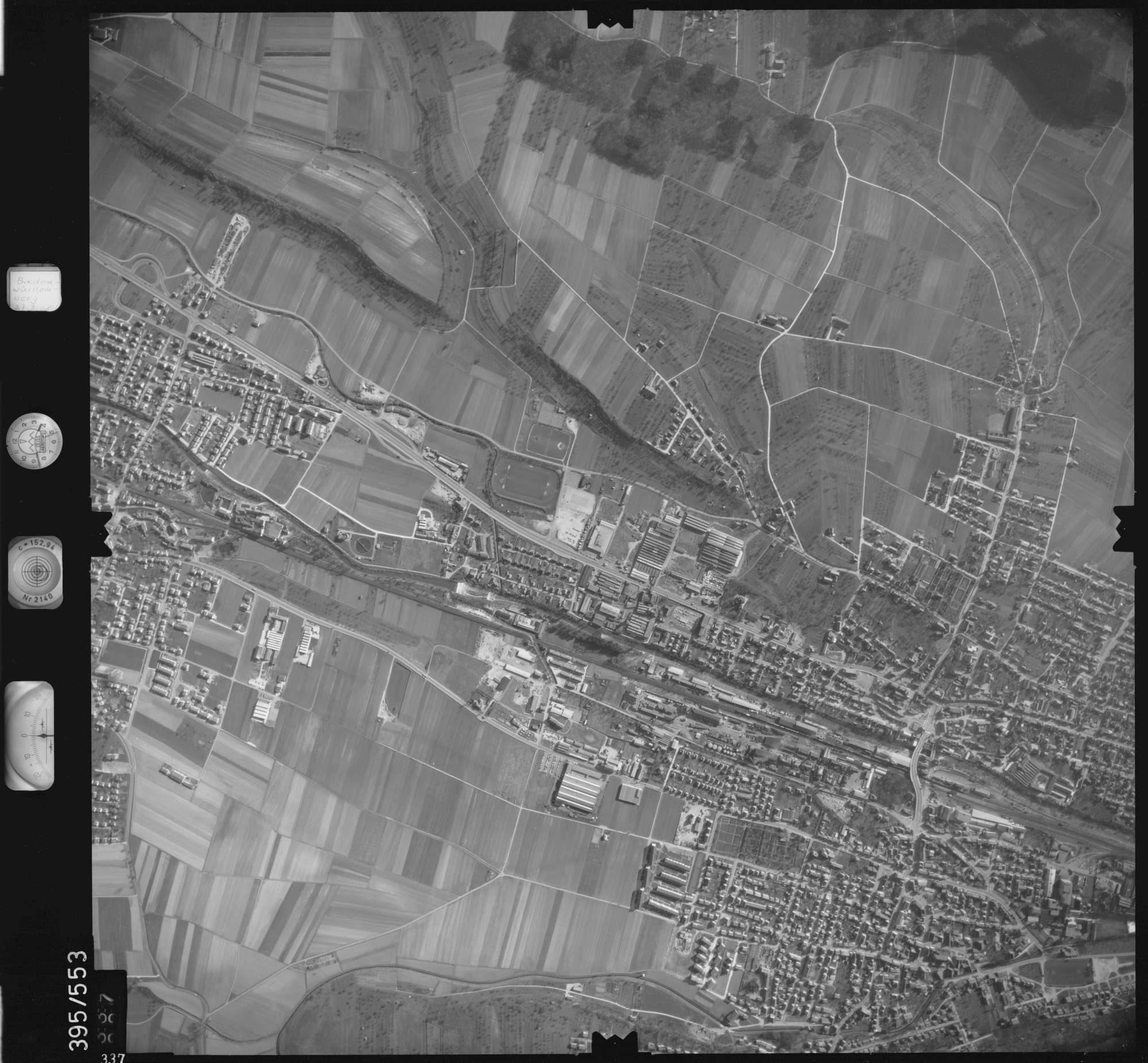 Luftbild: Film 24 Bildnr. 337, Bild 1