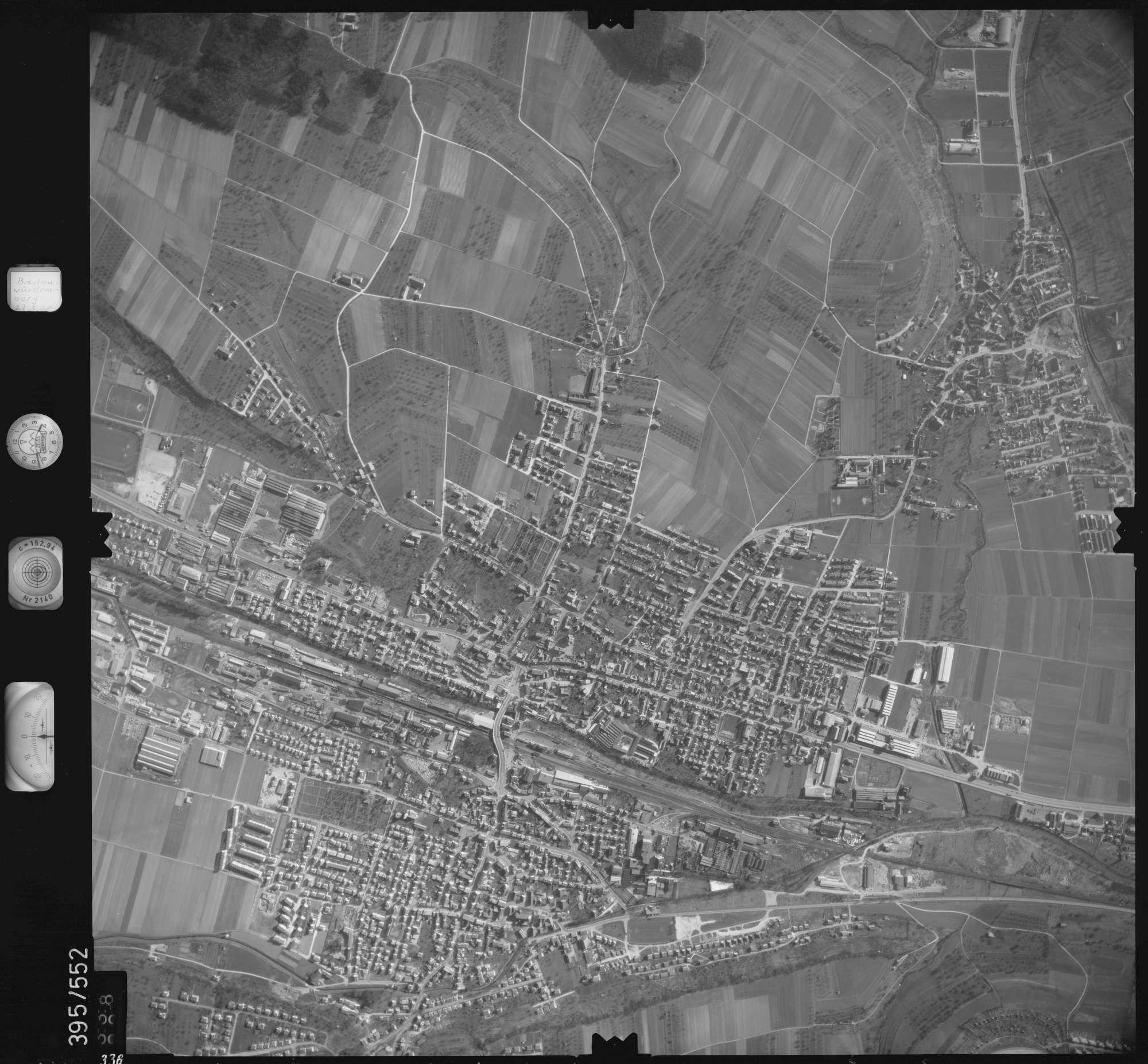 Luftbild: Film 24 Bildnr. 338, Bild 1