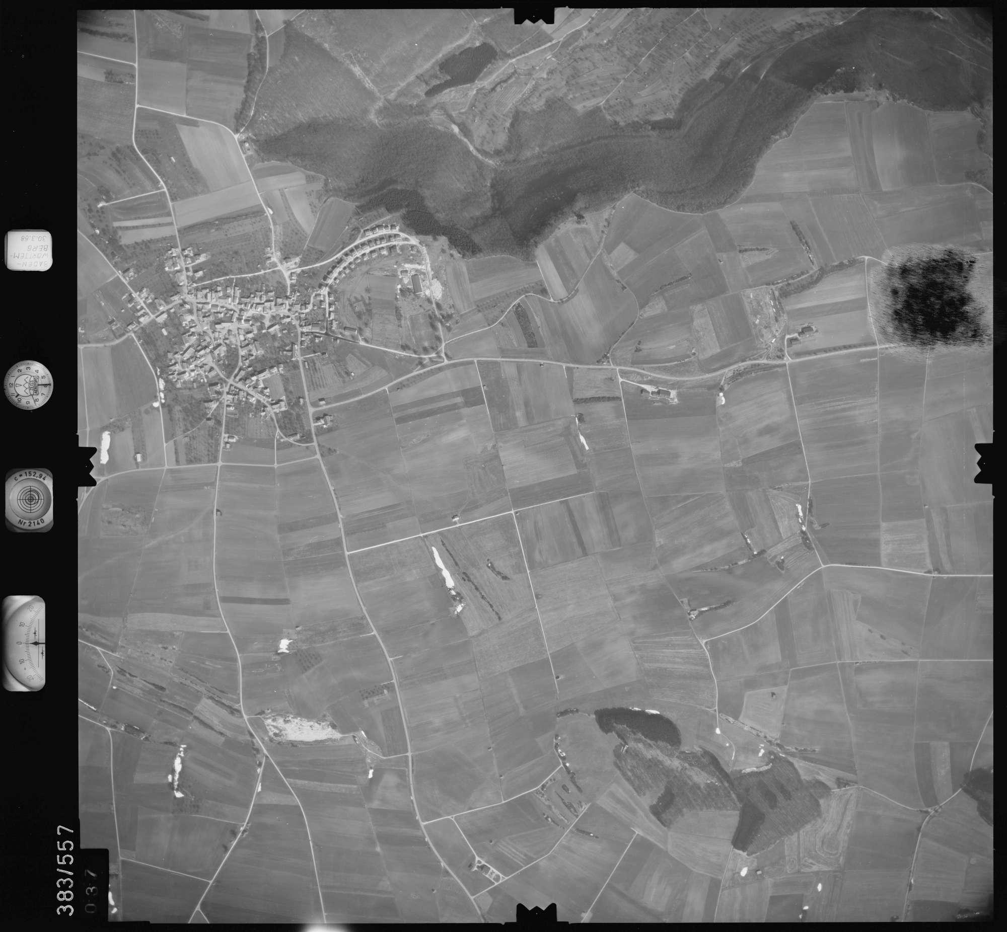 Luftbild: Film 27 Bildnr. 37, Bild 1