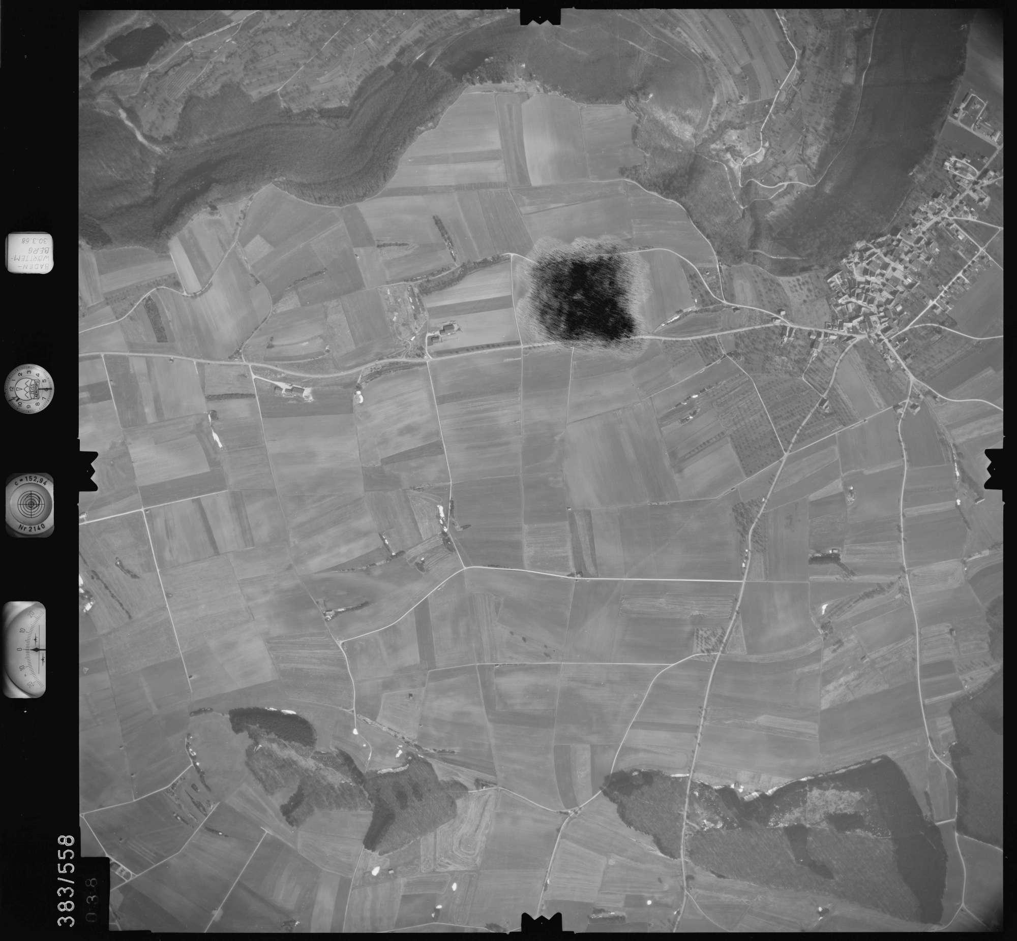 Luftbild: Film 27 Bildnr. 38, Bild 1