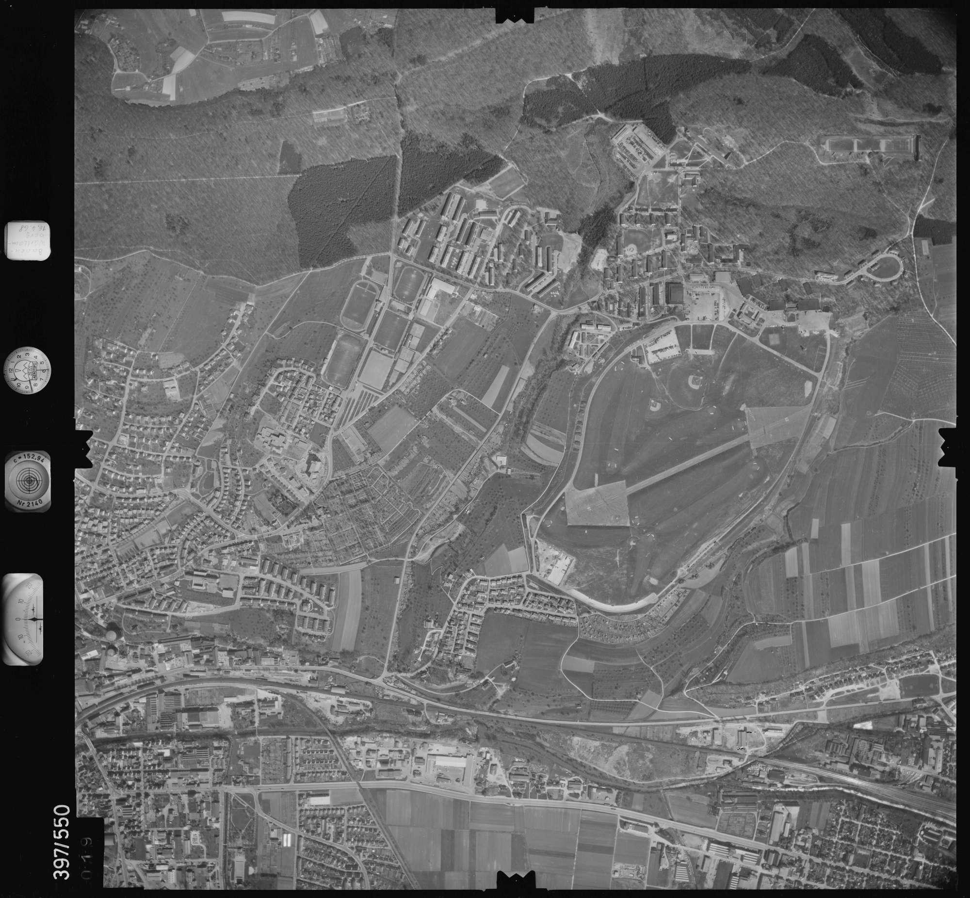 Luftbild: Film 32 Bildnr. 19, Bild 1