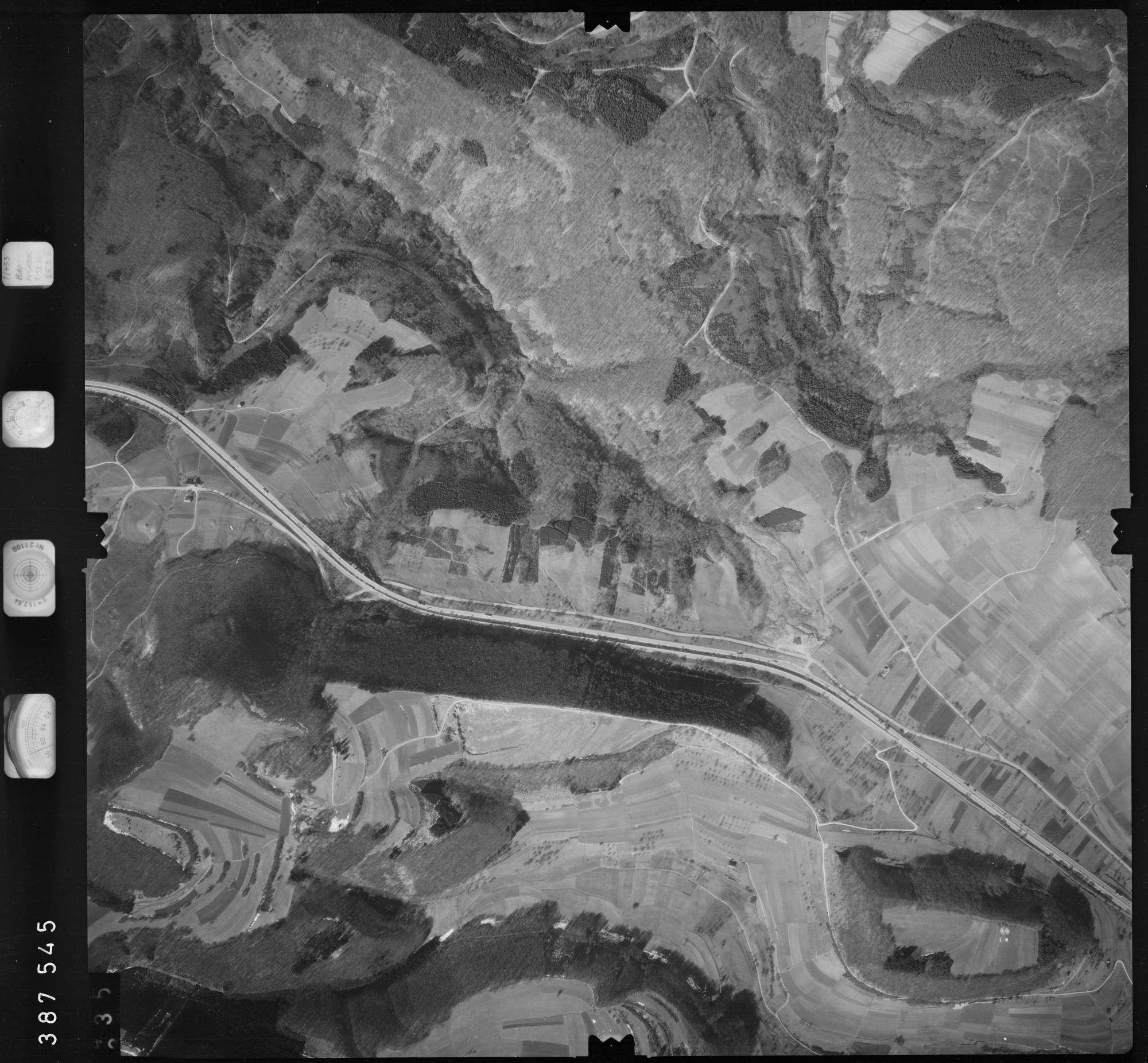 Luftbild: Film 23 Bildnr. 334, Bild 1