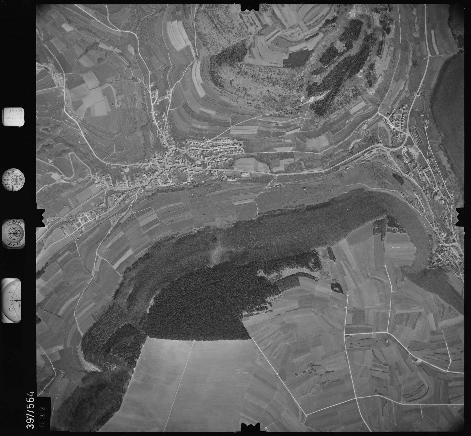 Luftbild: Film 32 Bildnr. 32, Bild 1