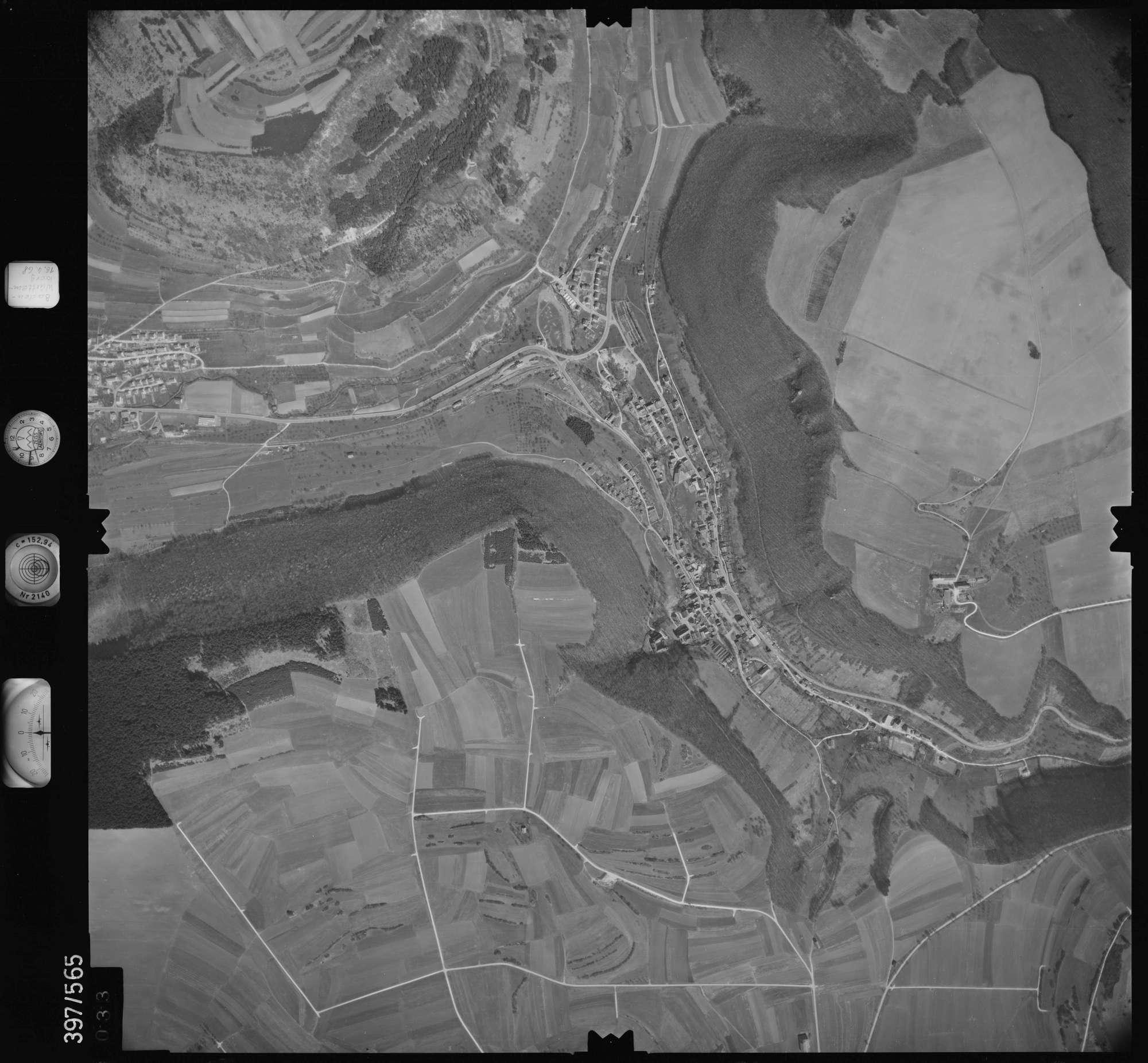 Luftbild: Film 32 Bildnr. 33, Bild 1