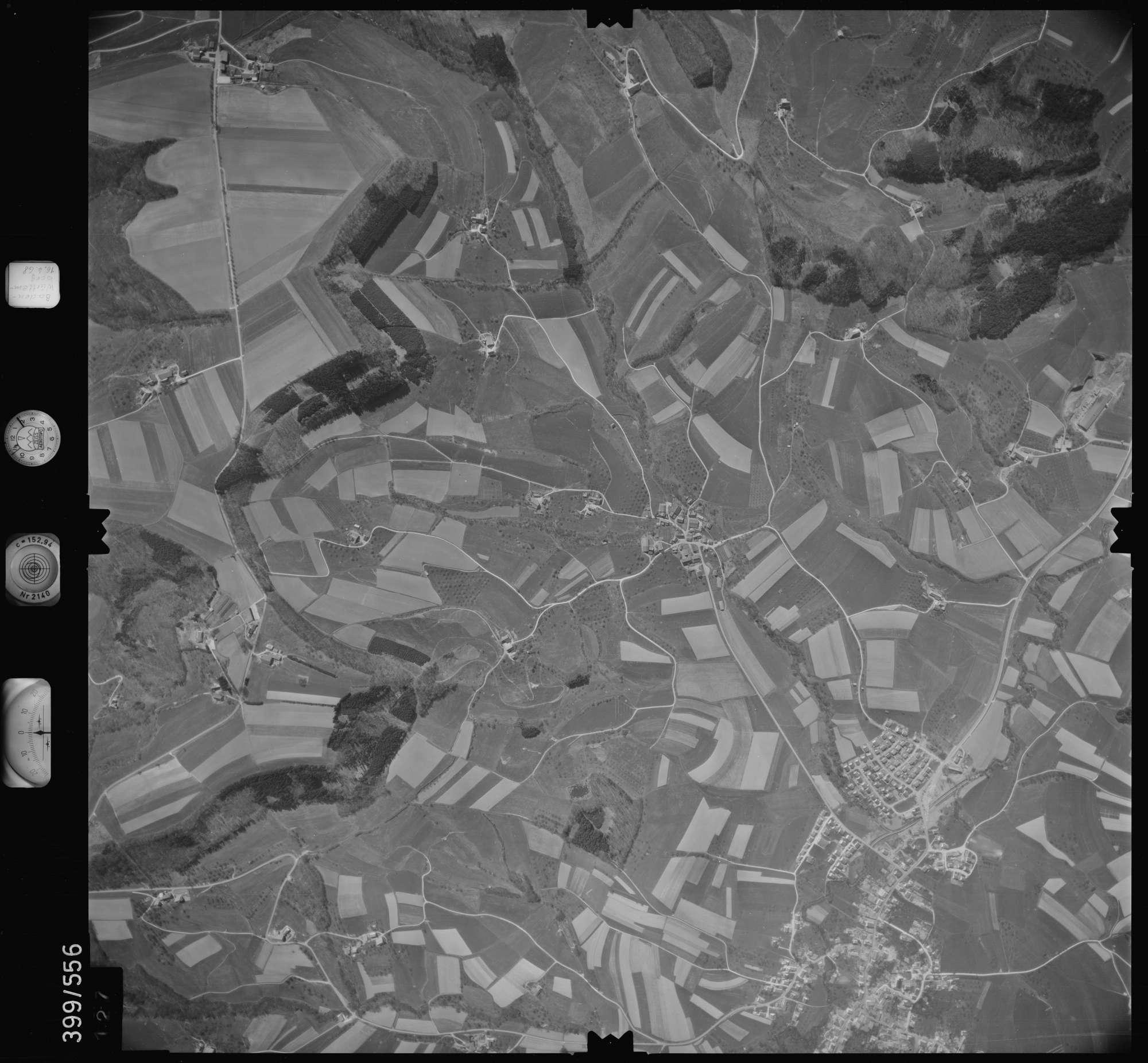 Luftbild: Film 32 Bildnr. 127, Bild 1