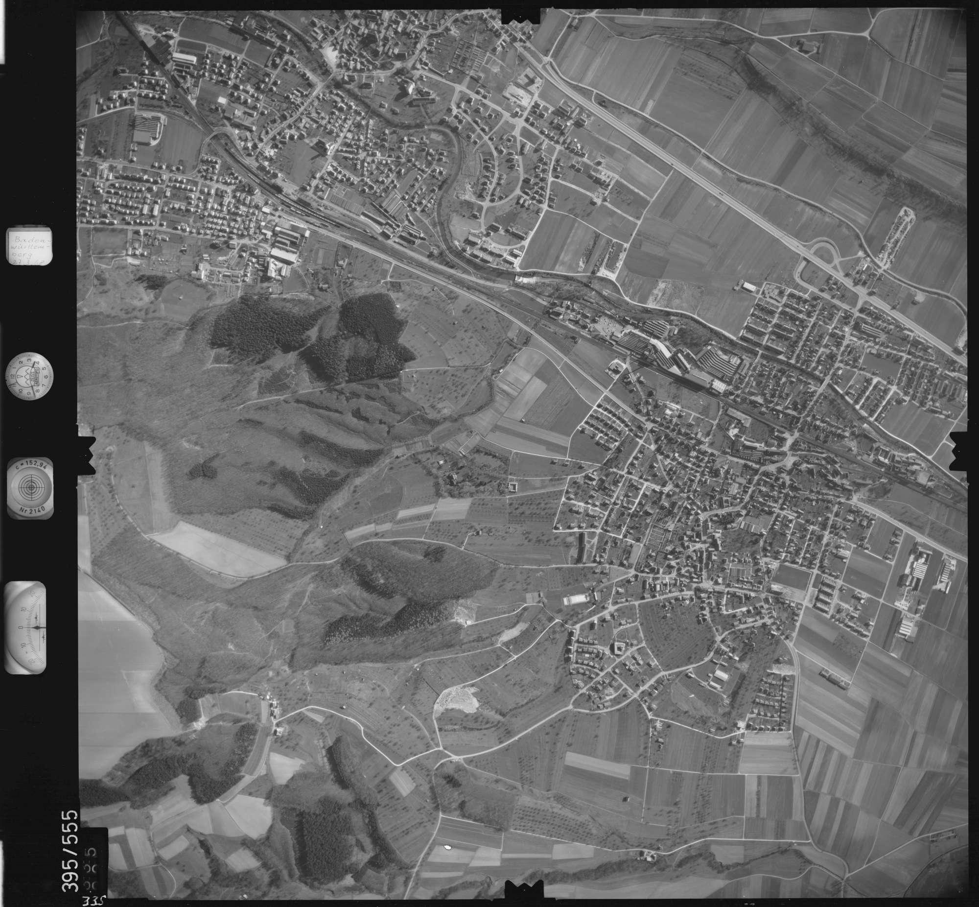 Luftbild: Film 24 Bildnr. 335, Bild 1