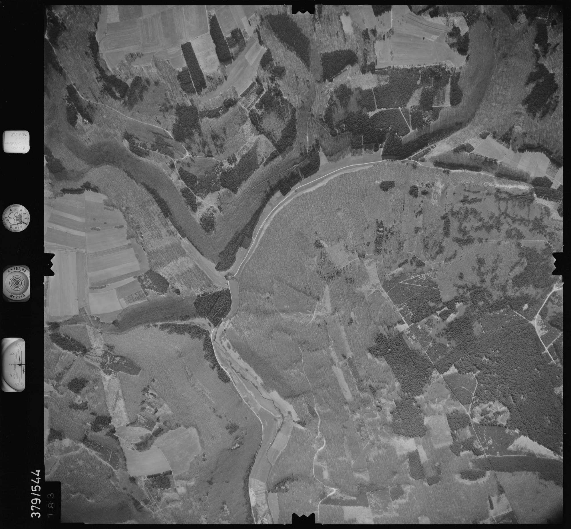 Luftbild: Film 32 Bildnr. 183, Bild 1