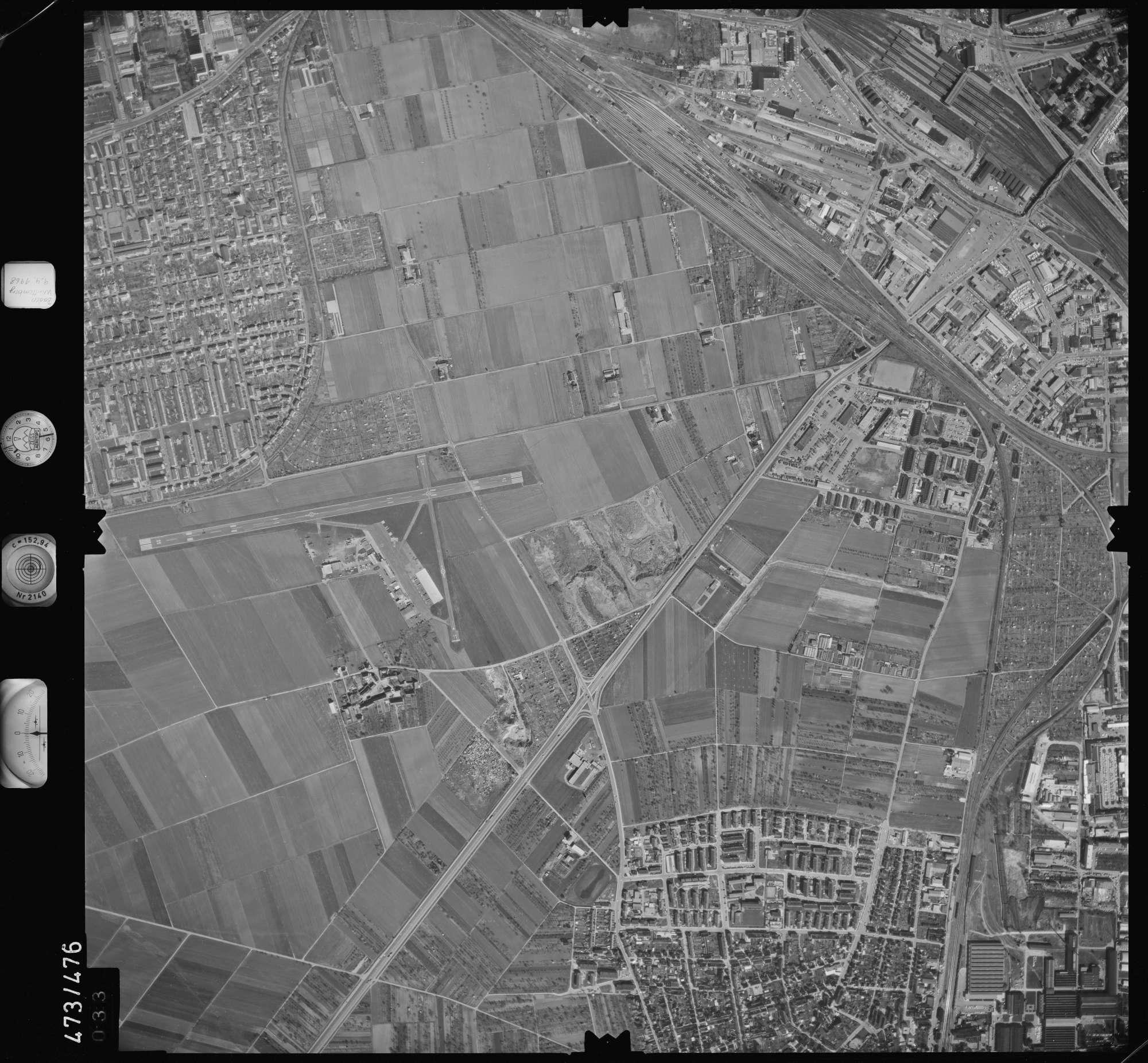 Luftbild: Film 100 Bildnr. 33, Bild 1