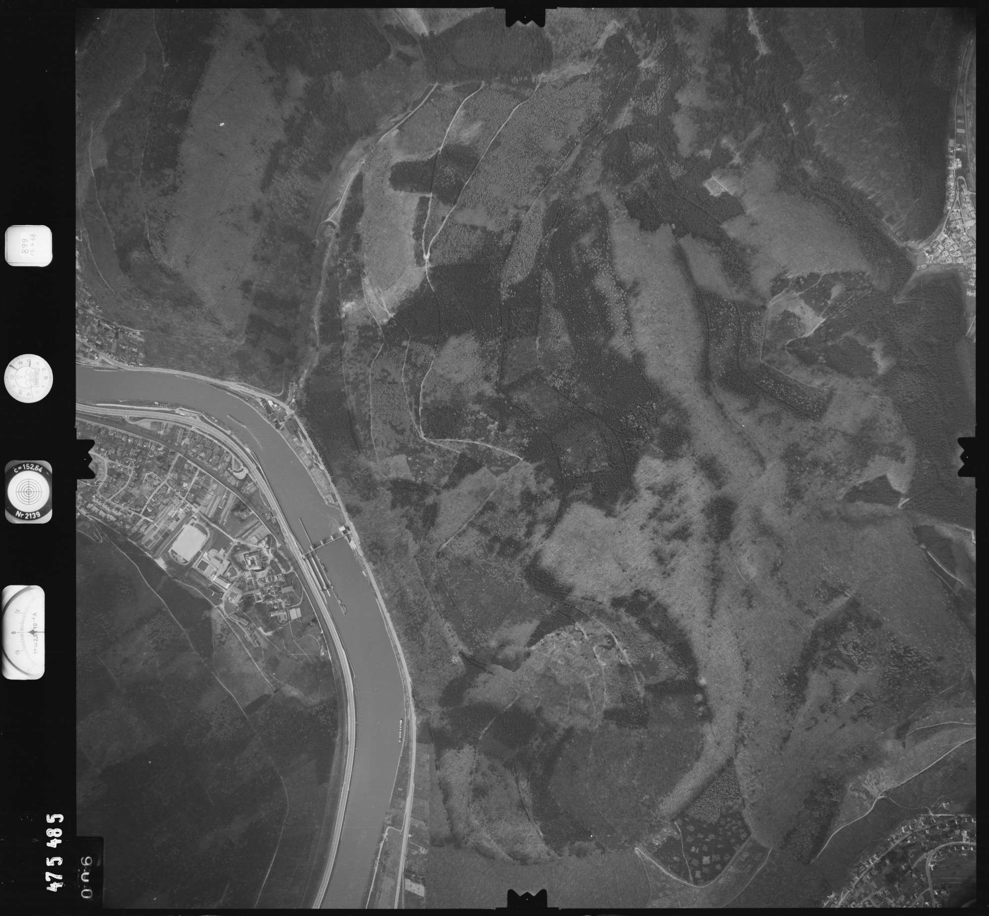 Luftbild: Film 899 Bildnr. 6, Bild 1