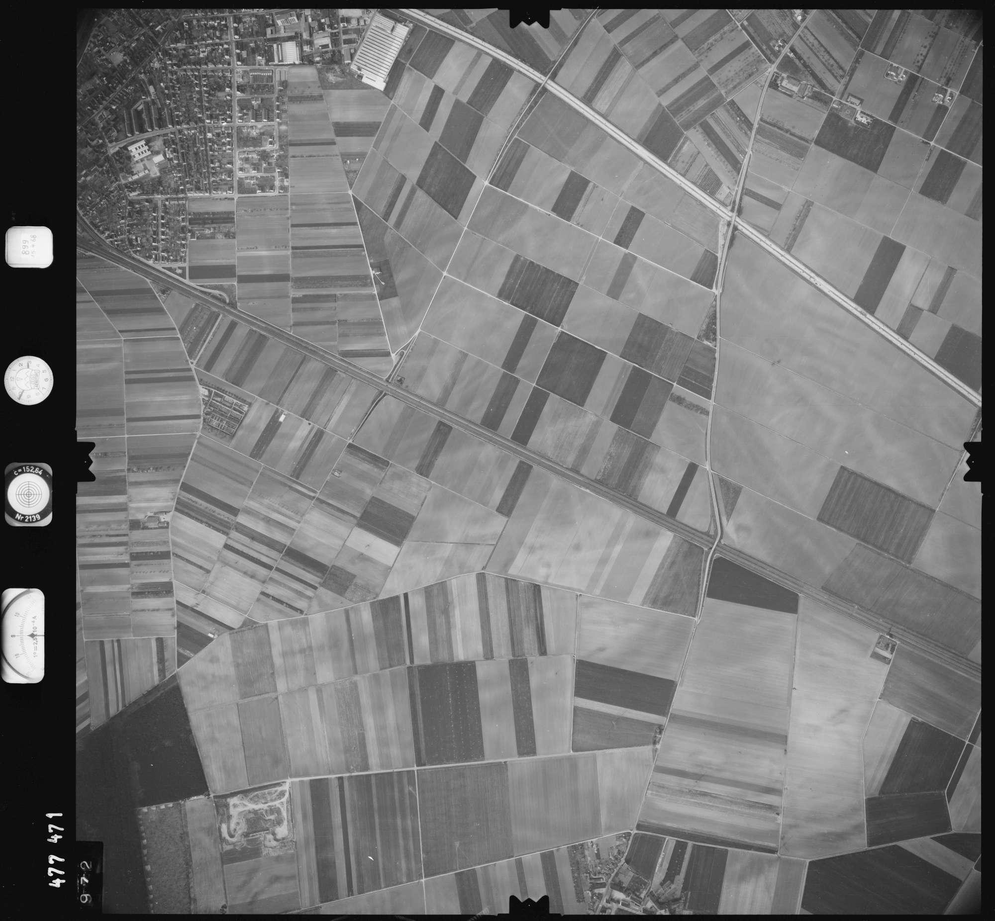Luftbild: Film 899 Bildnr. 972, Bild 1