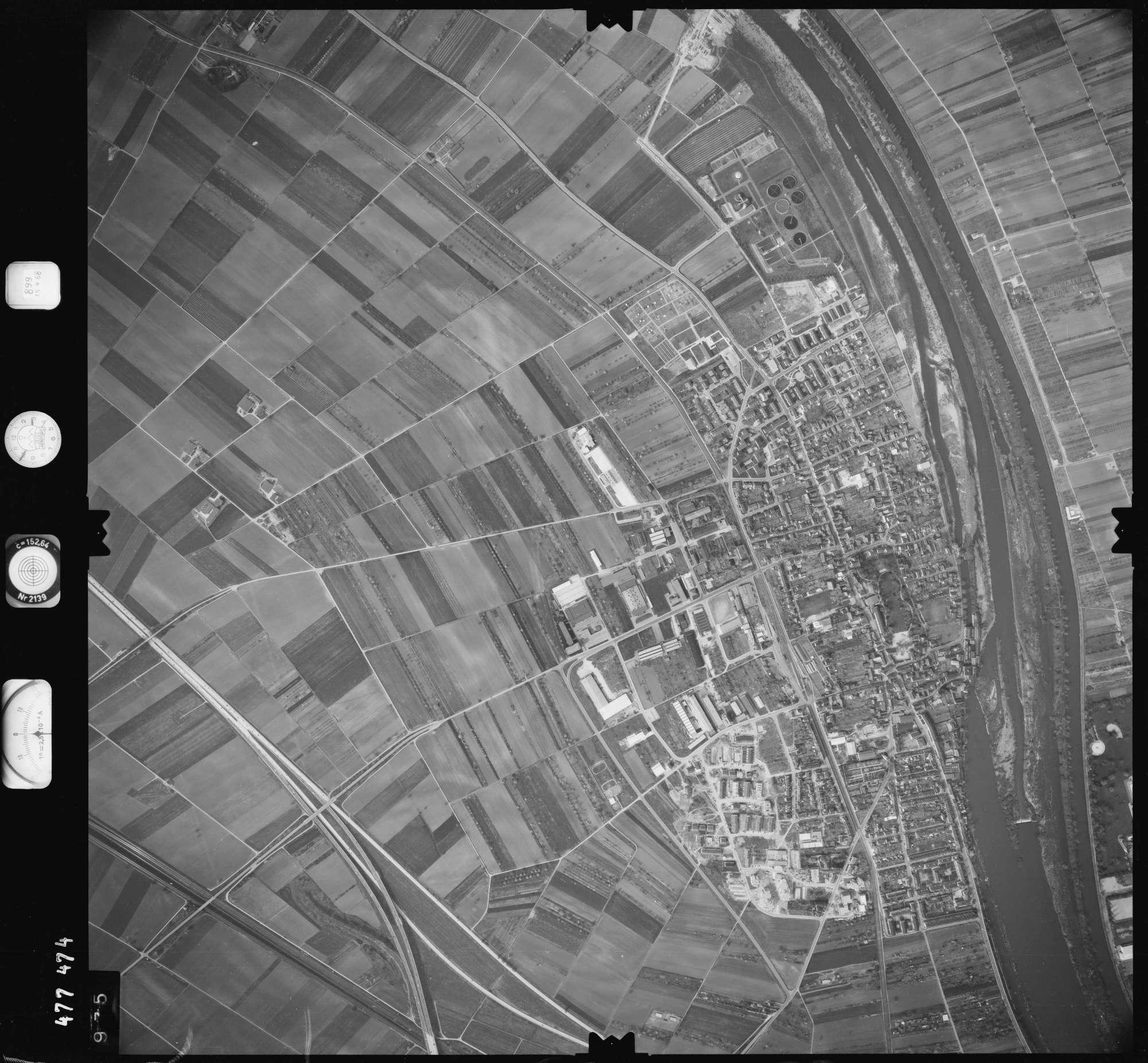 Luftbild: Film 899 Bildnr. 975, Bild 1