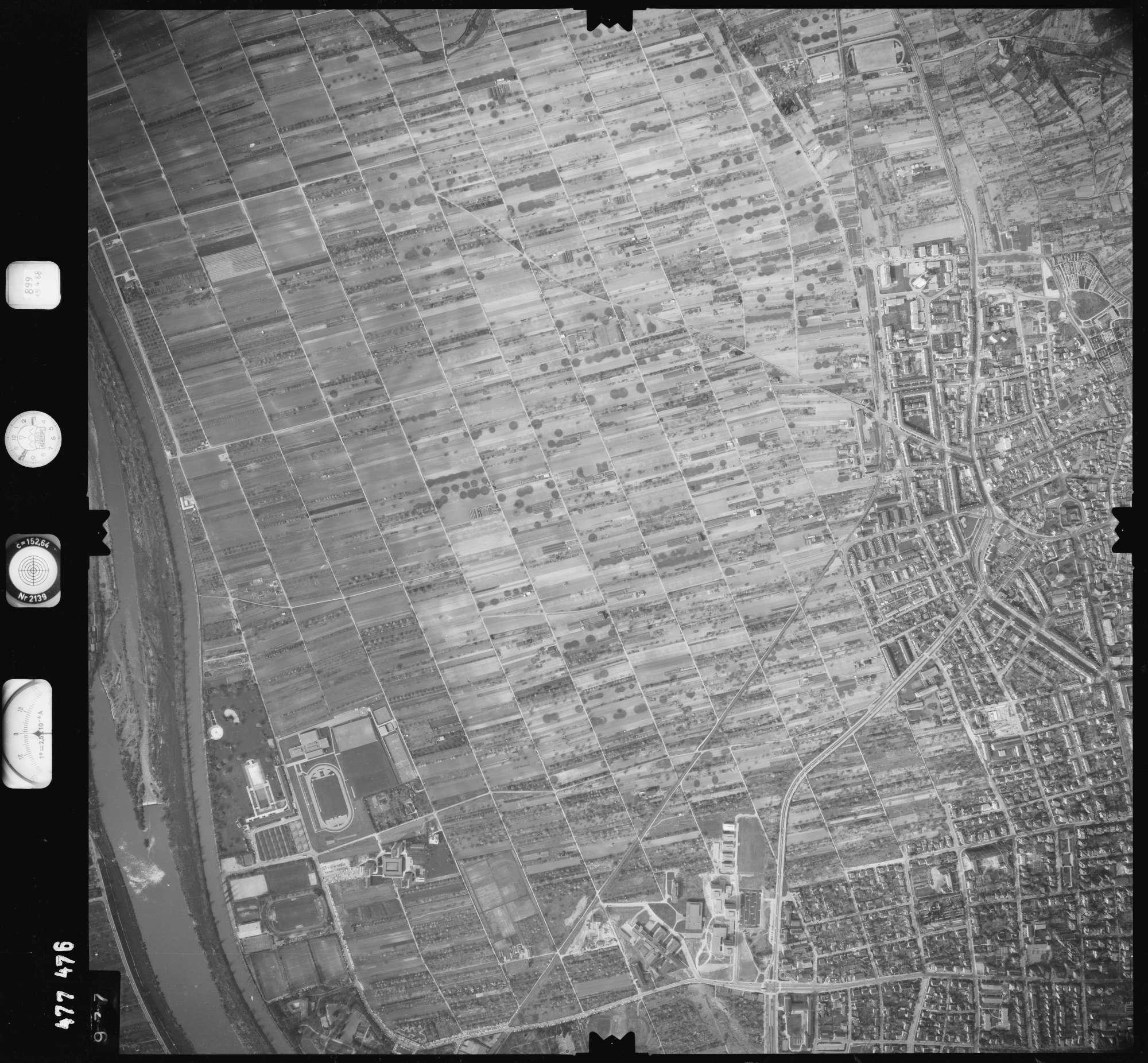 Luftbild: Film 899 Bildnr. 977, Bild 1