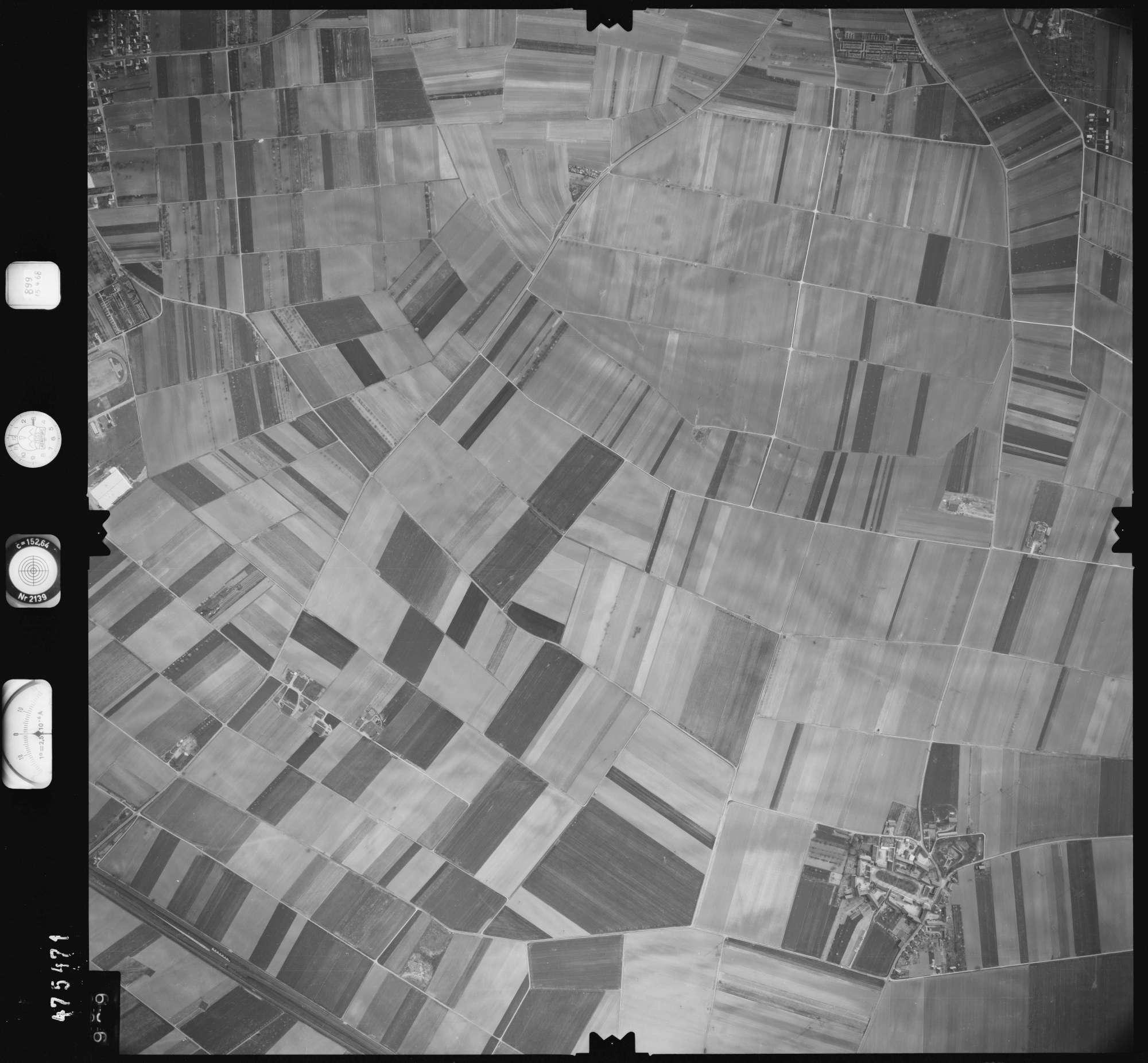 Luftbild: Film 899 Bildnr. 989, Bild 1