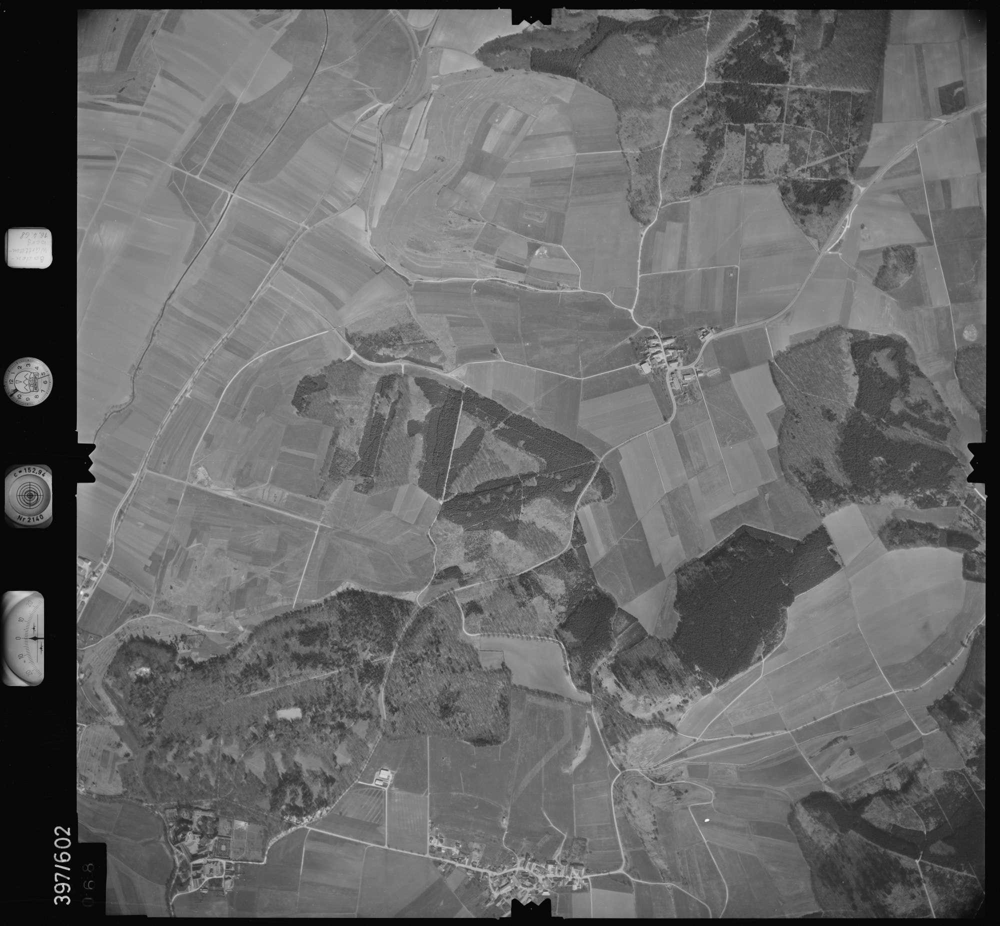 Luftbild: Film 32 Bildnr. 68, Bild 1