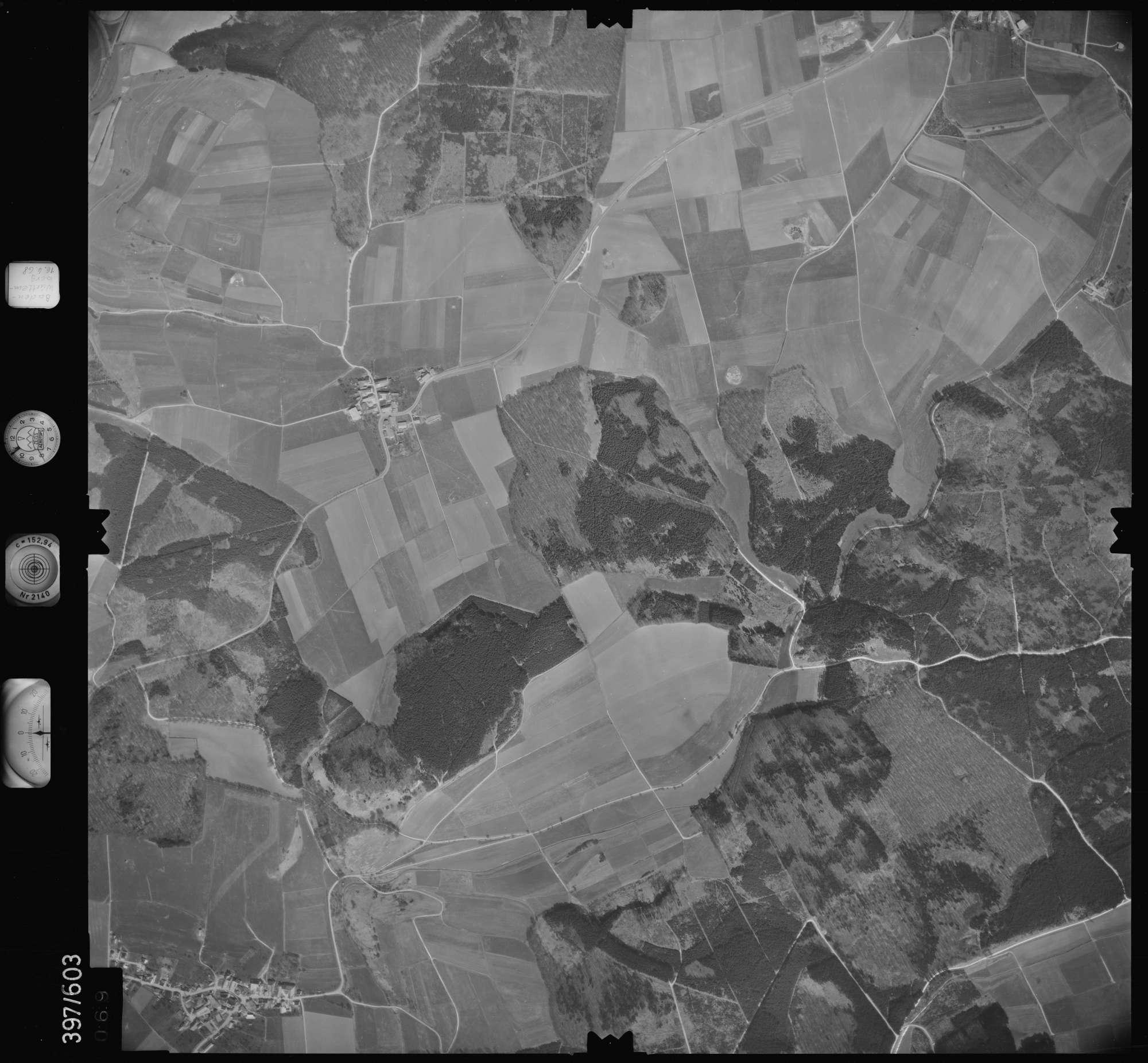 Luftbild: Film 32 Bildnr. 69, Bild 1