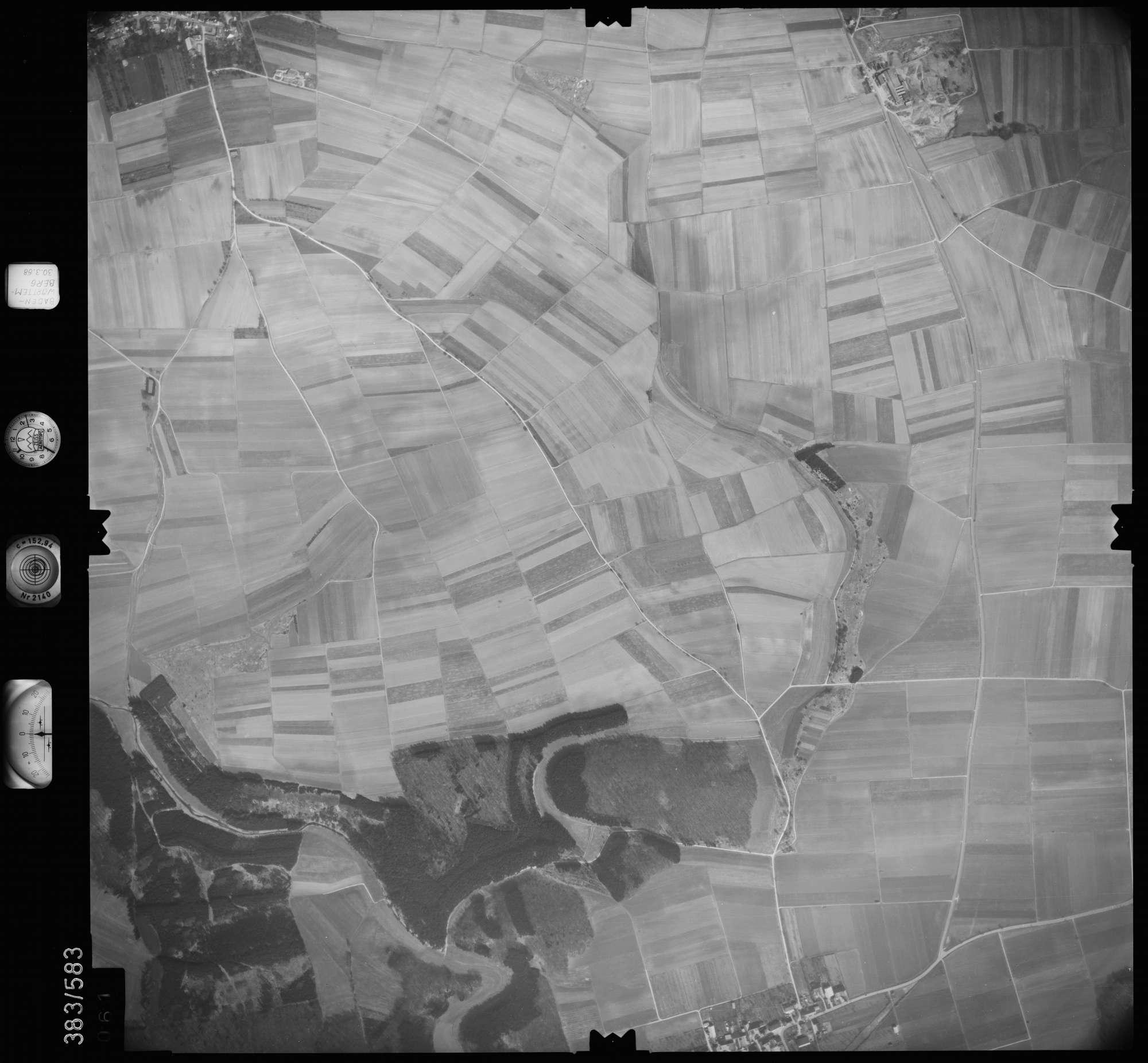 Luftbild: Film 27 Bildnr. 61, Bild 1
