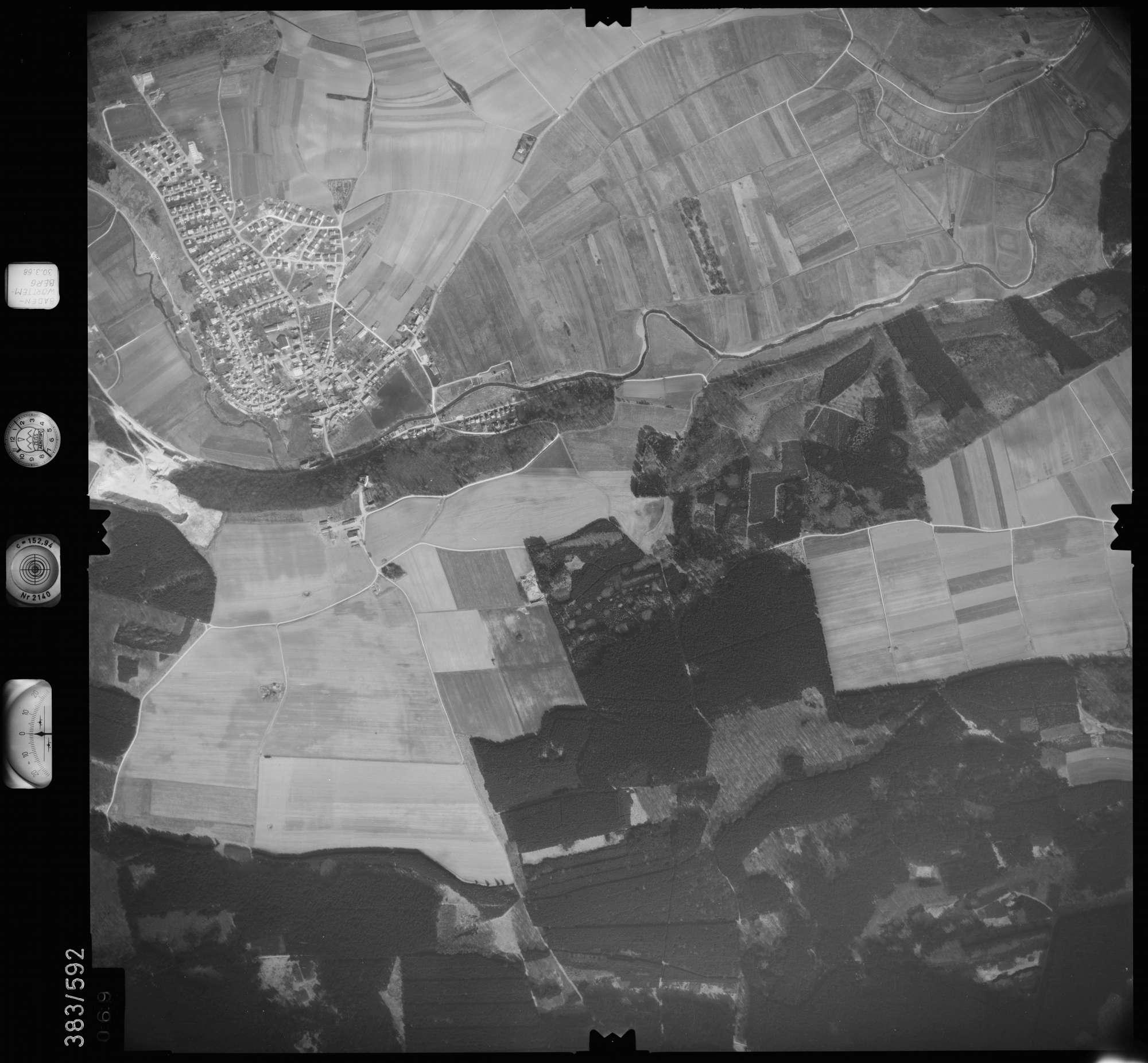 Luftbild: Film 27 Bildnr. 69, Bild 1