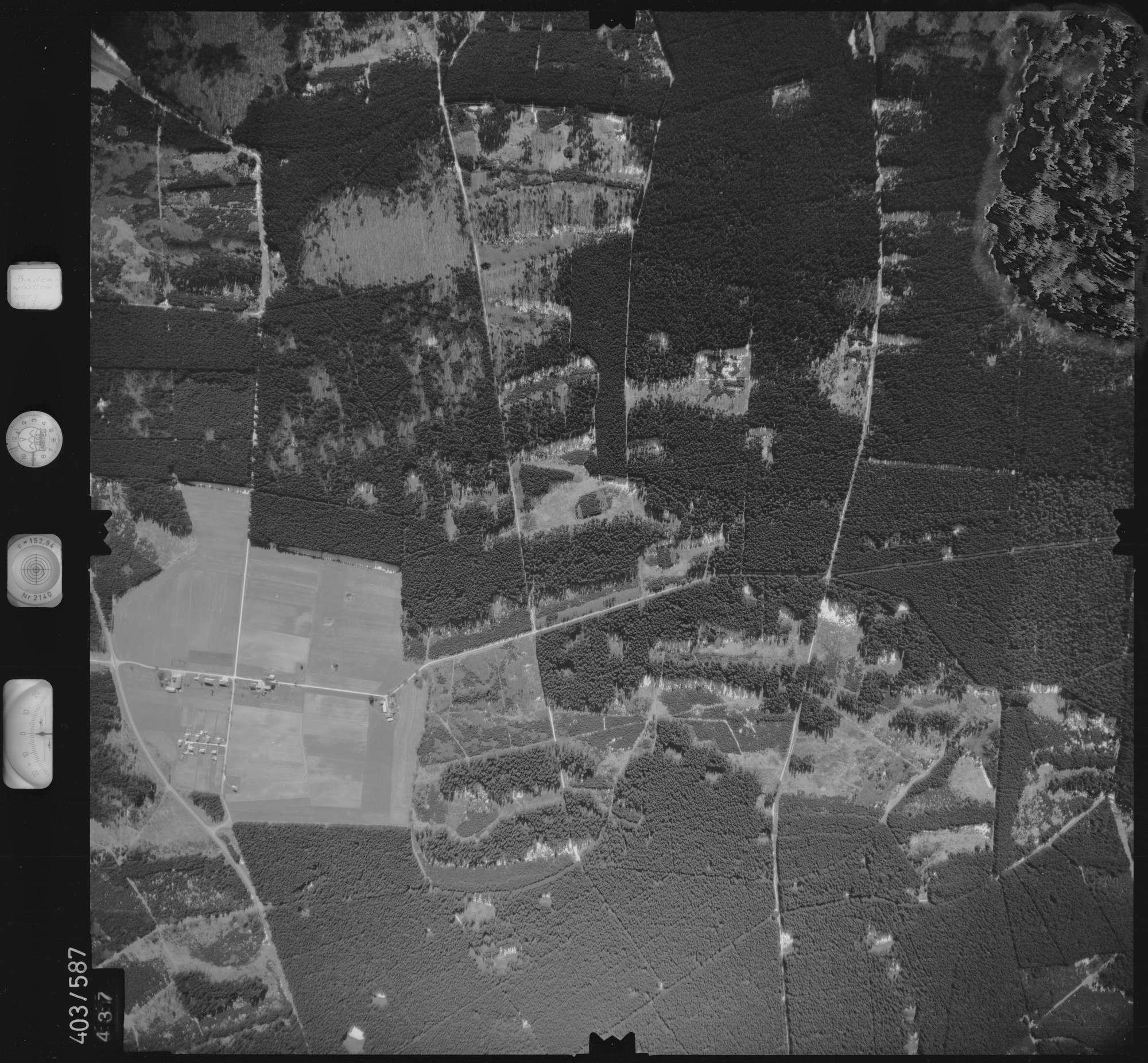 Luftbild: Film 10 Bildnr. 437, Bild 1
