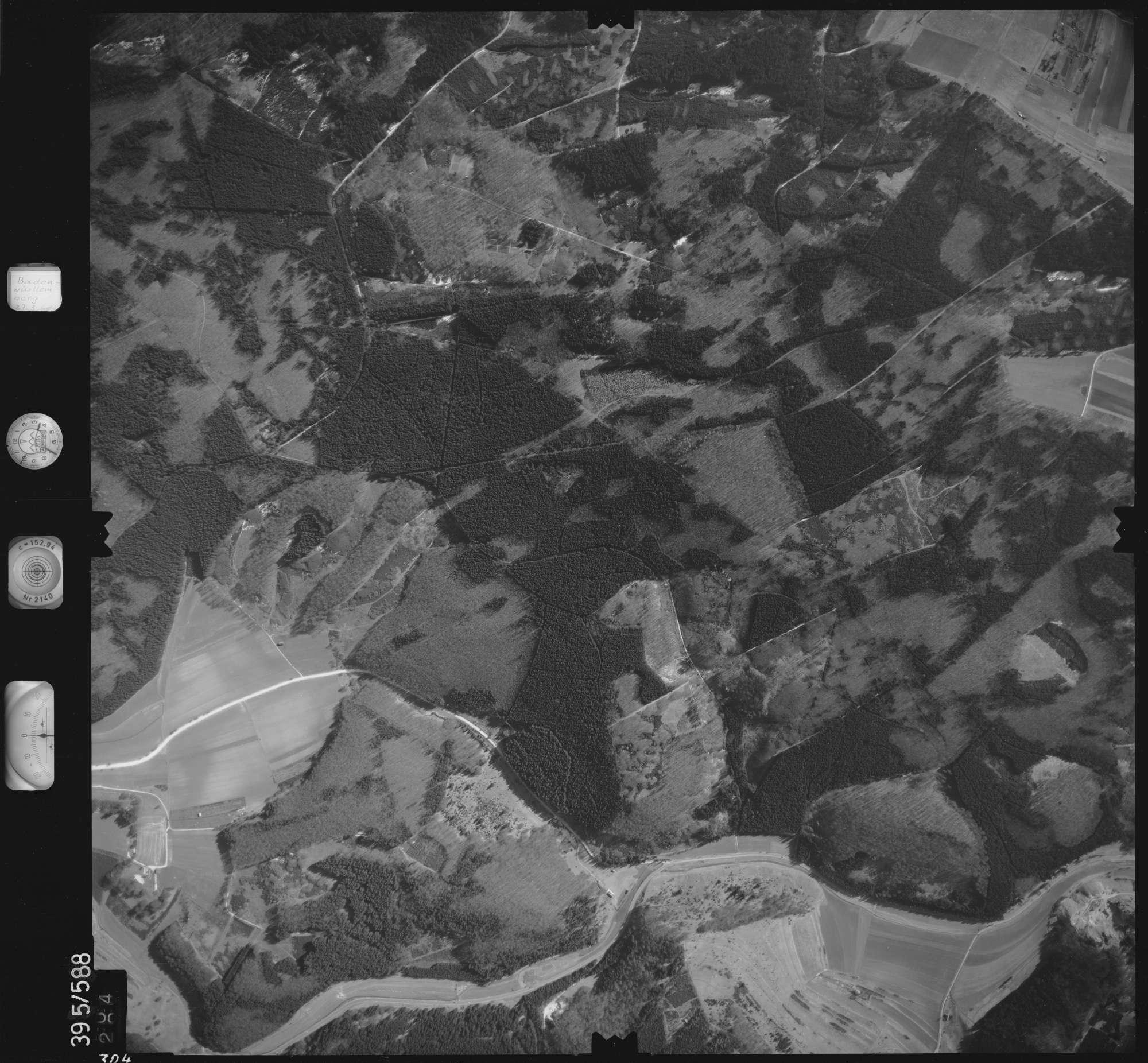 Luftbild: Film 24 Bildnr. 304, Bild 1