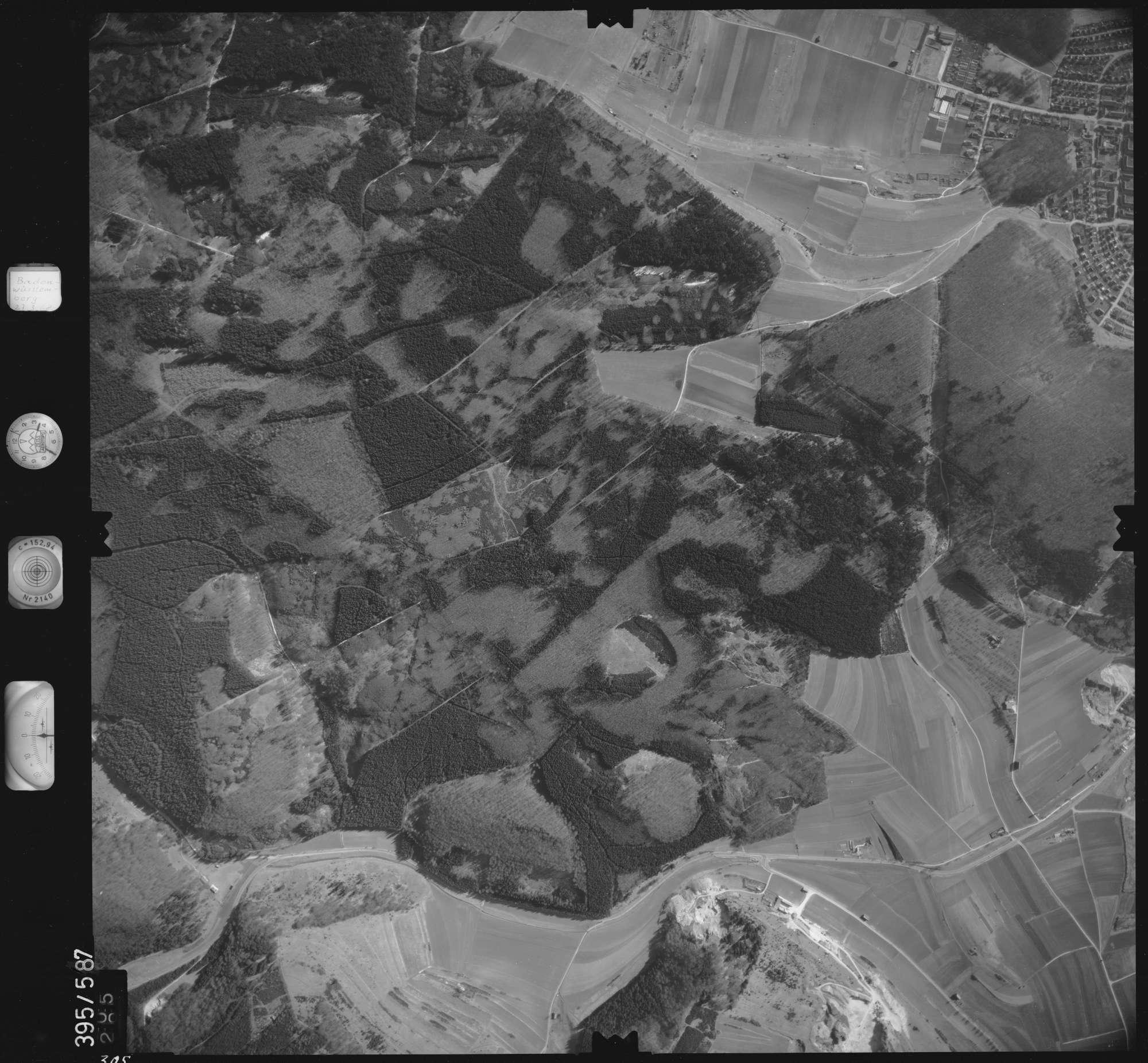 Luftbild: Film 24 Bildnr. 305, Bild 1