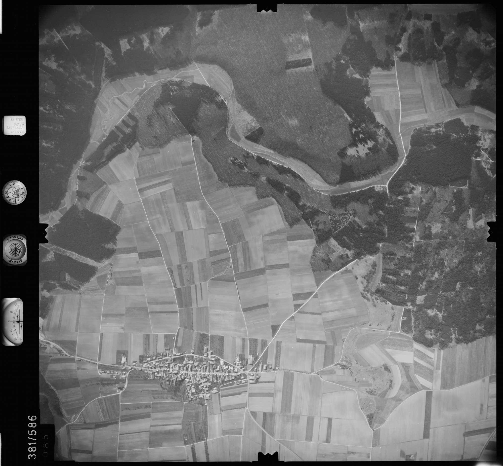 Luftbild: Film 27 Bildnr. 85, Bild 1