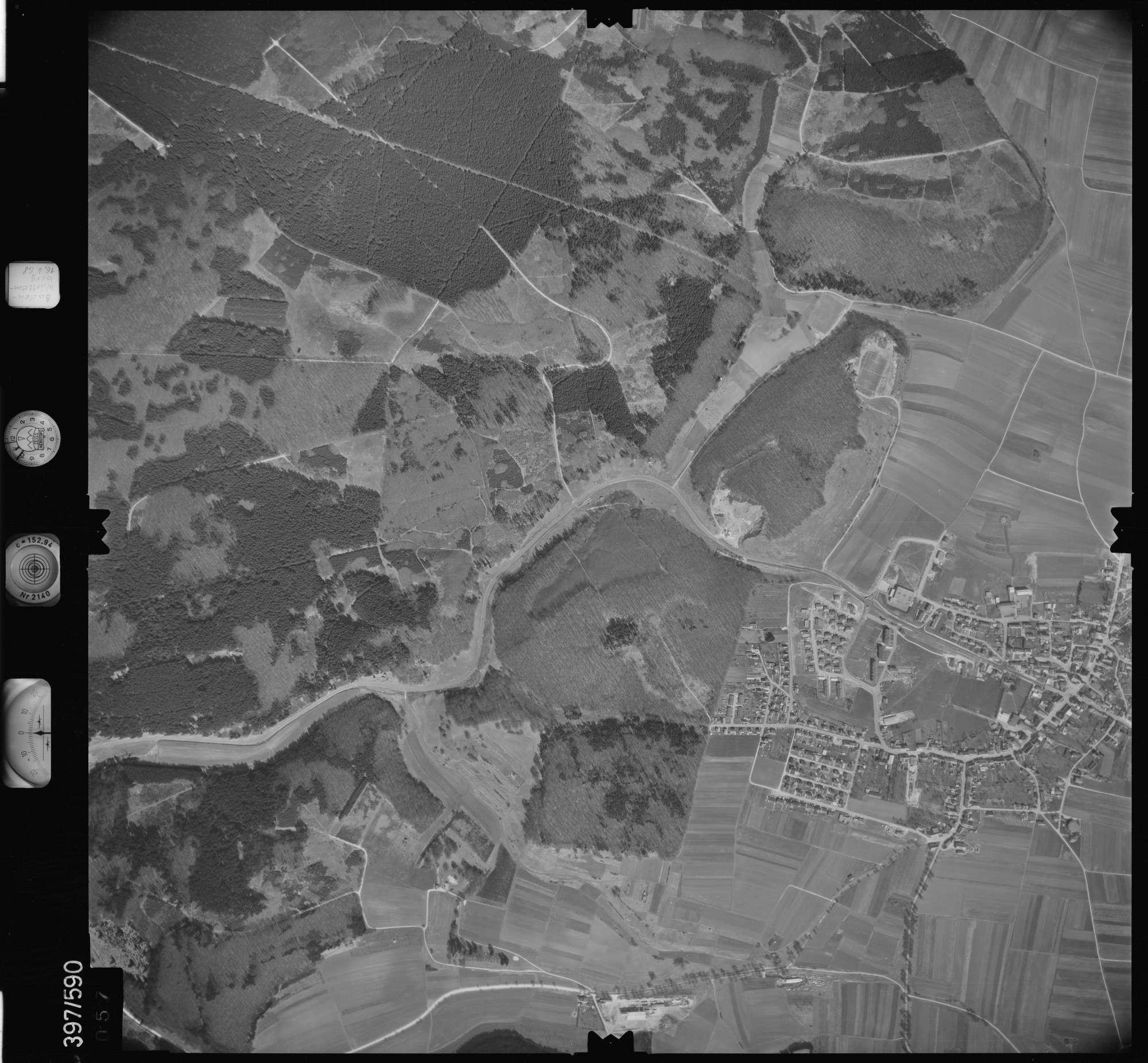 Luftbild: Film 32 Bildnr. 57, Bild 1