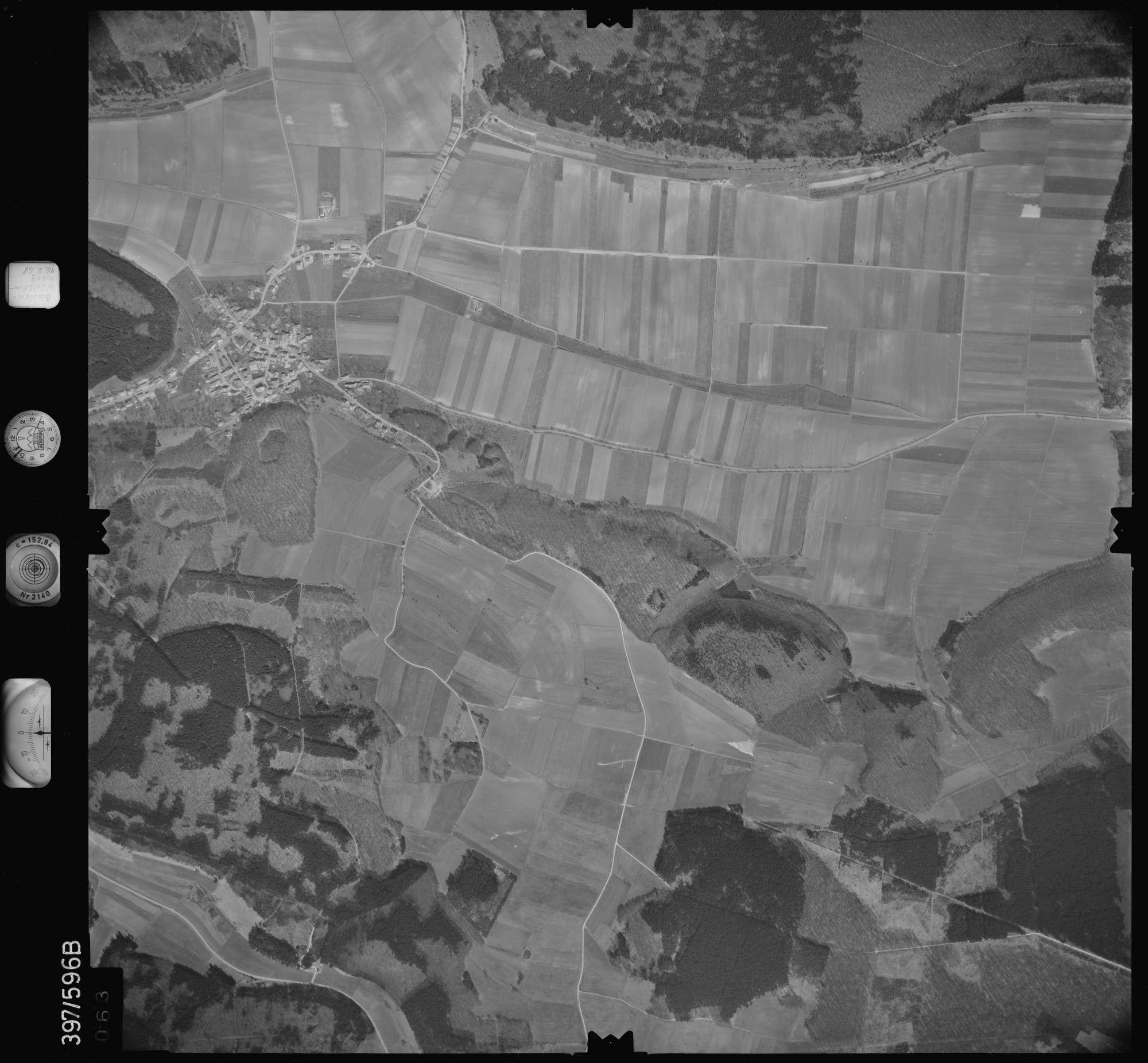 Luftbild: Film 32 Bildnr. 63, Bild 1