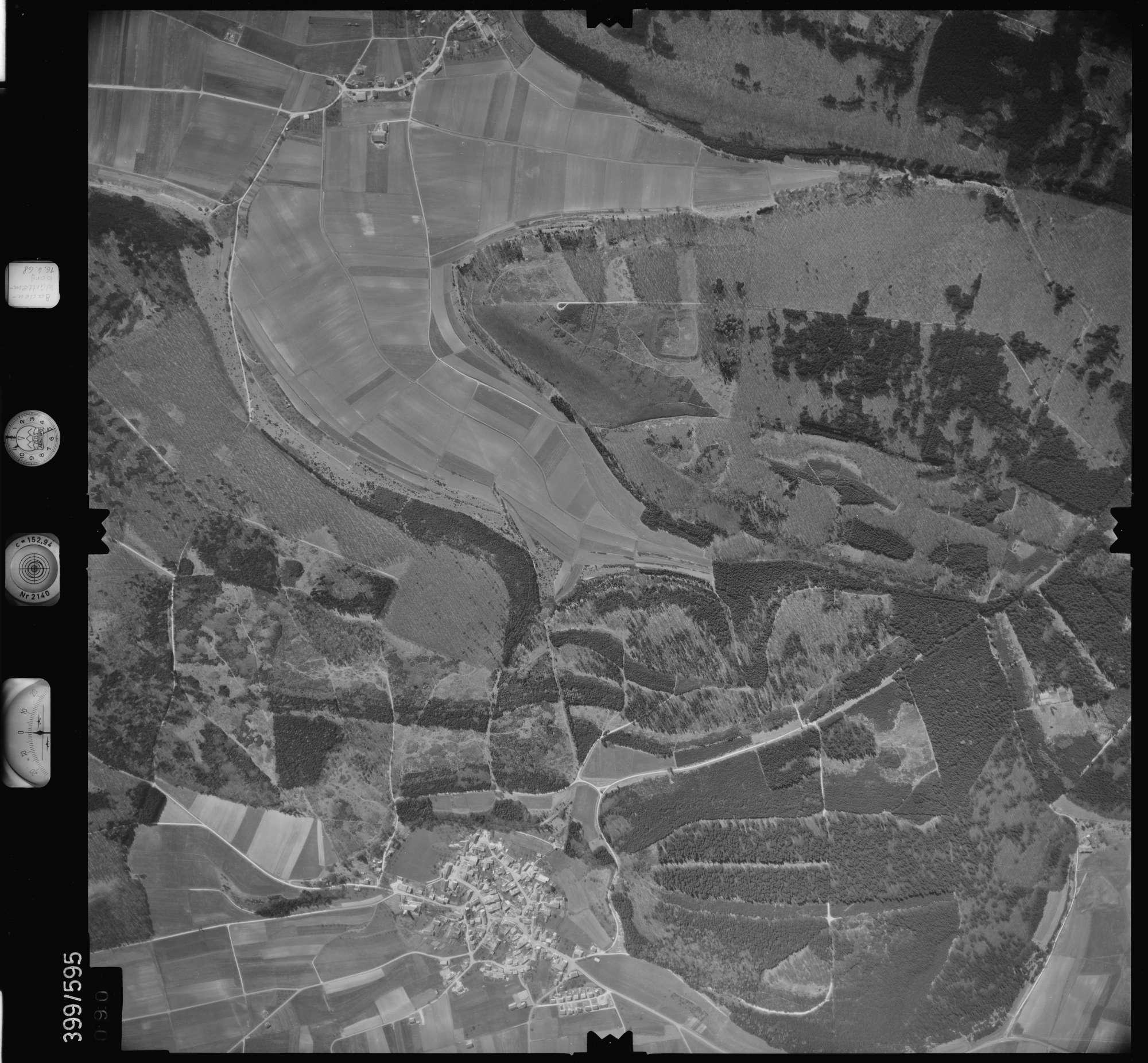 Luftbild: Film 32 Bildnr. 90, Bild 1