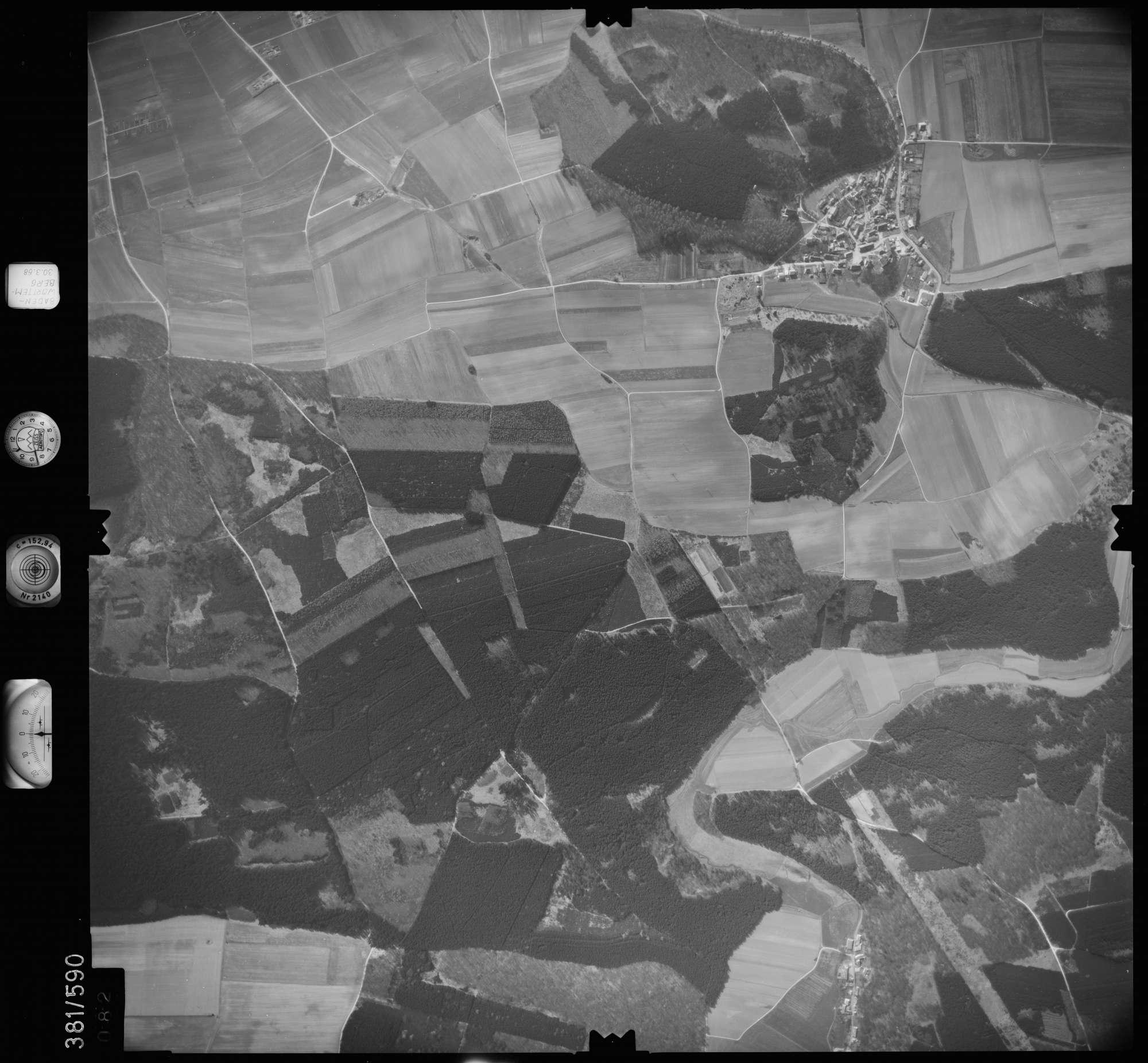 Luftbild: Film 27 Bildnr. 82, Bild 1