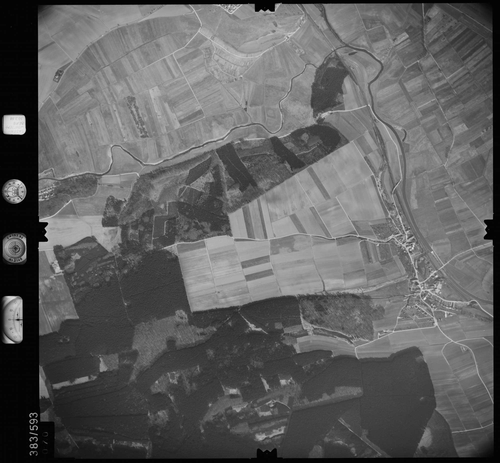 Luftbild: Film 27 Bildnr. 70, Bild 1