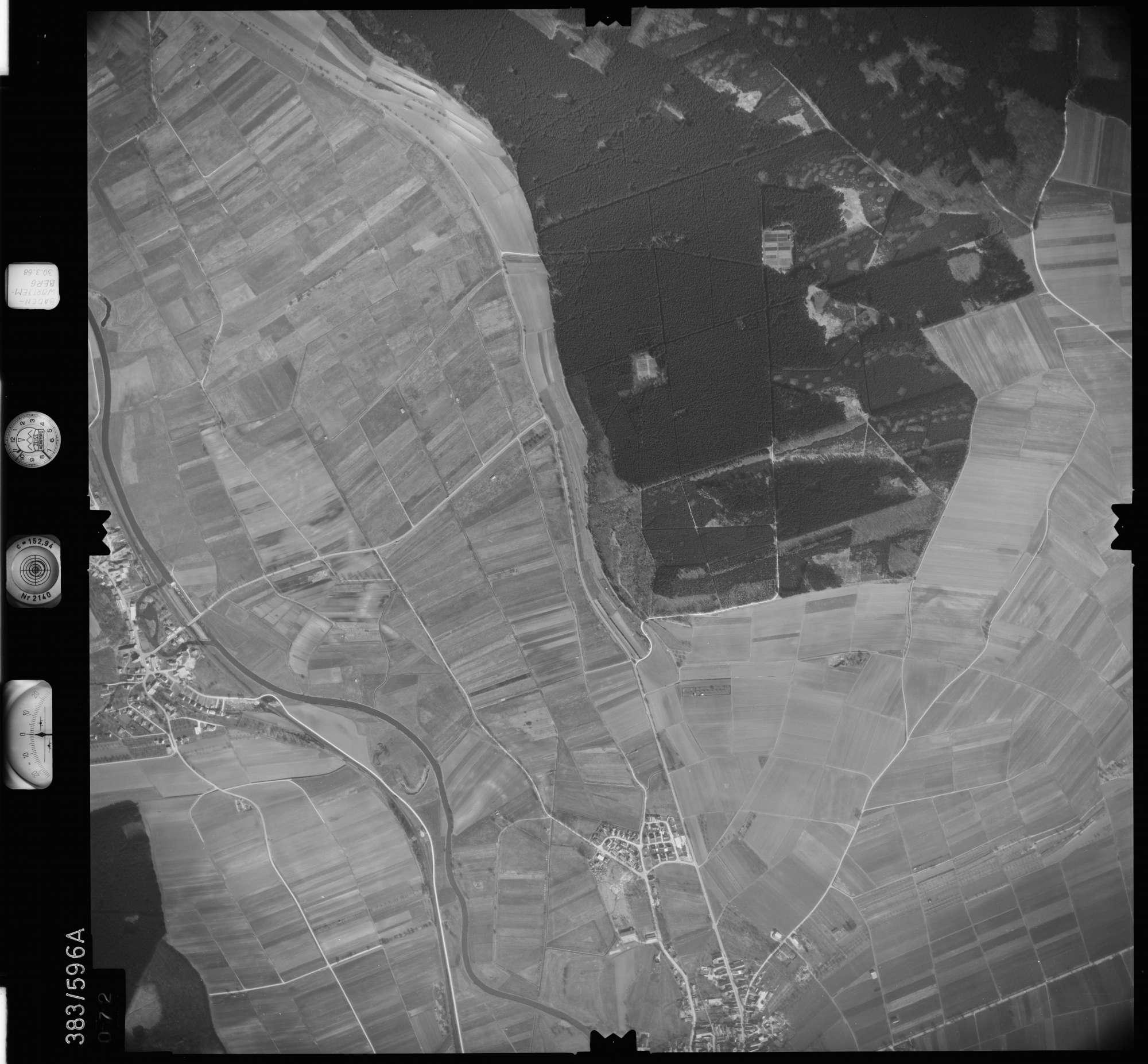 Luftbild: Film 27 Bildnr. 72, Bild 1