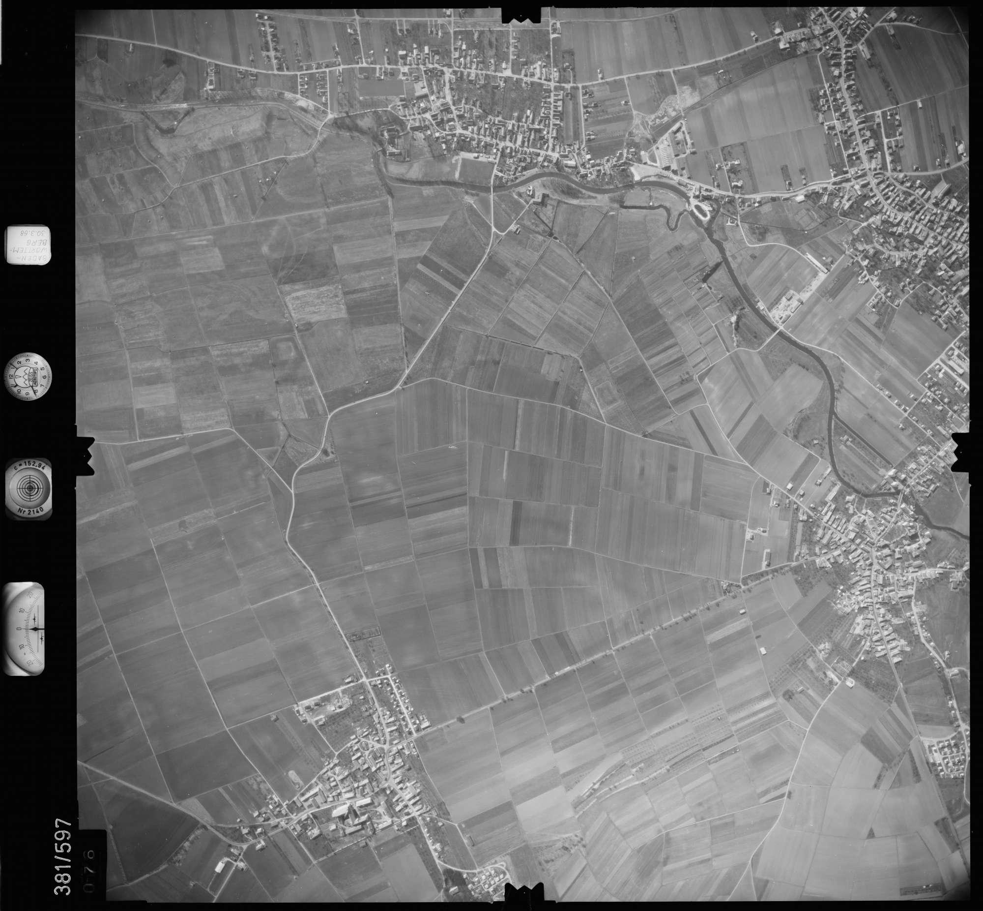 Luftbild: Film 27 Bildnr. 76, Bild 1