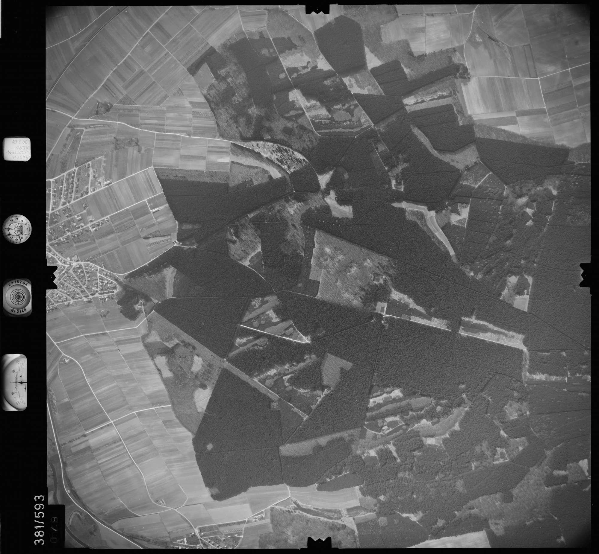 Luftbild: Film 27 Bildnr. 79, Bild 1