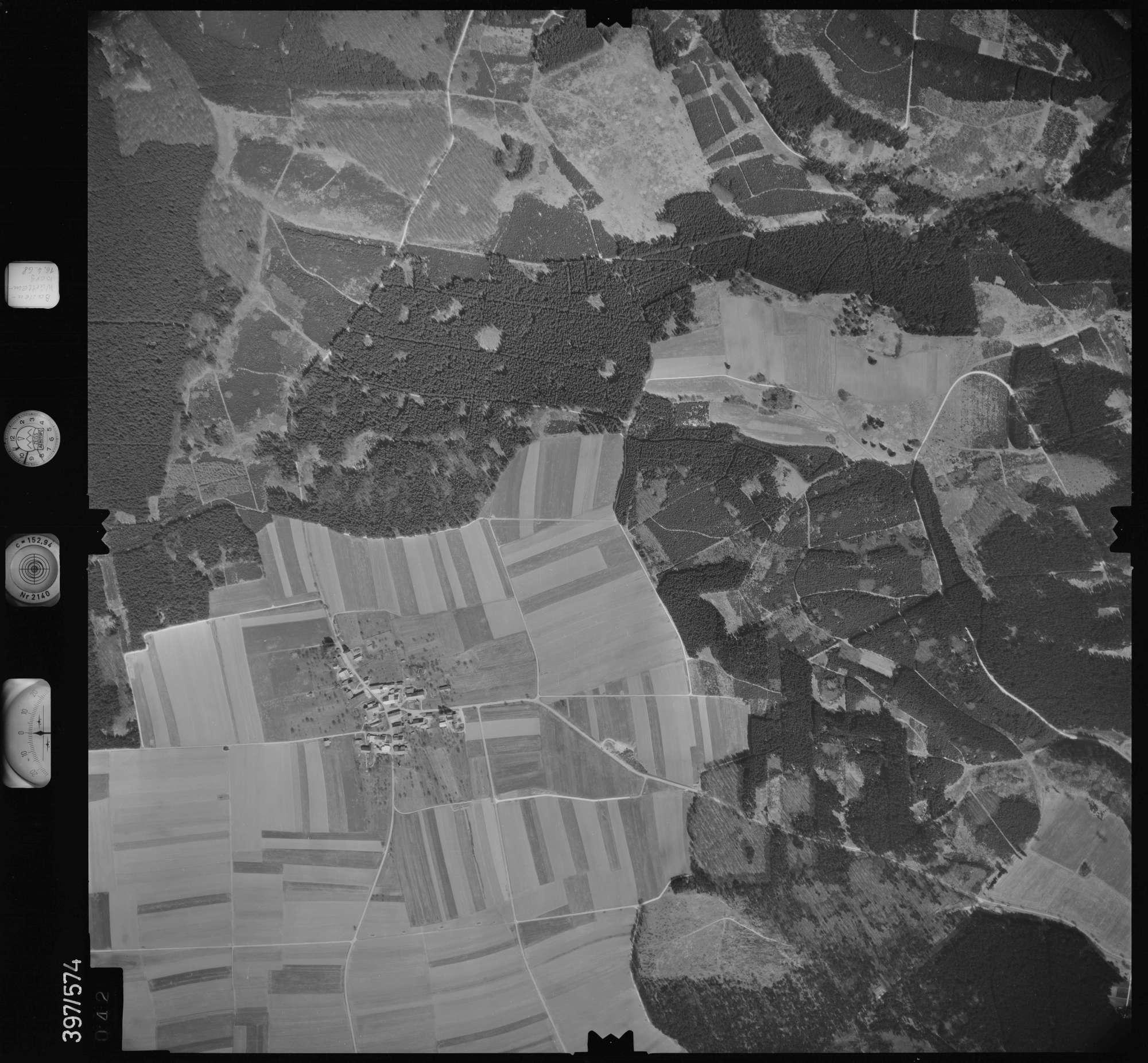 Luftbild: Film 32 Bildnr. 42, Bild 1