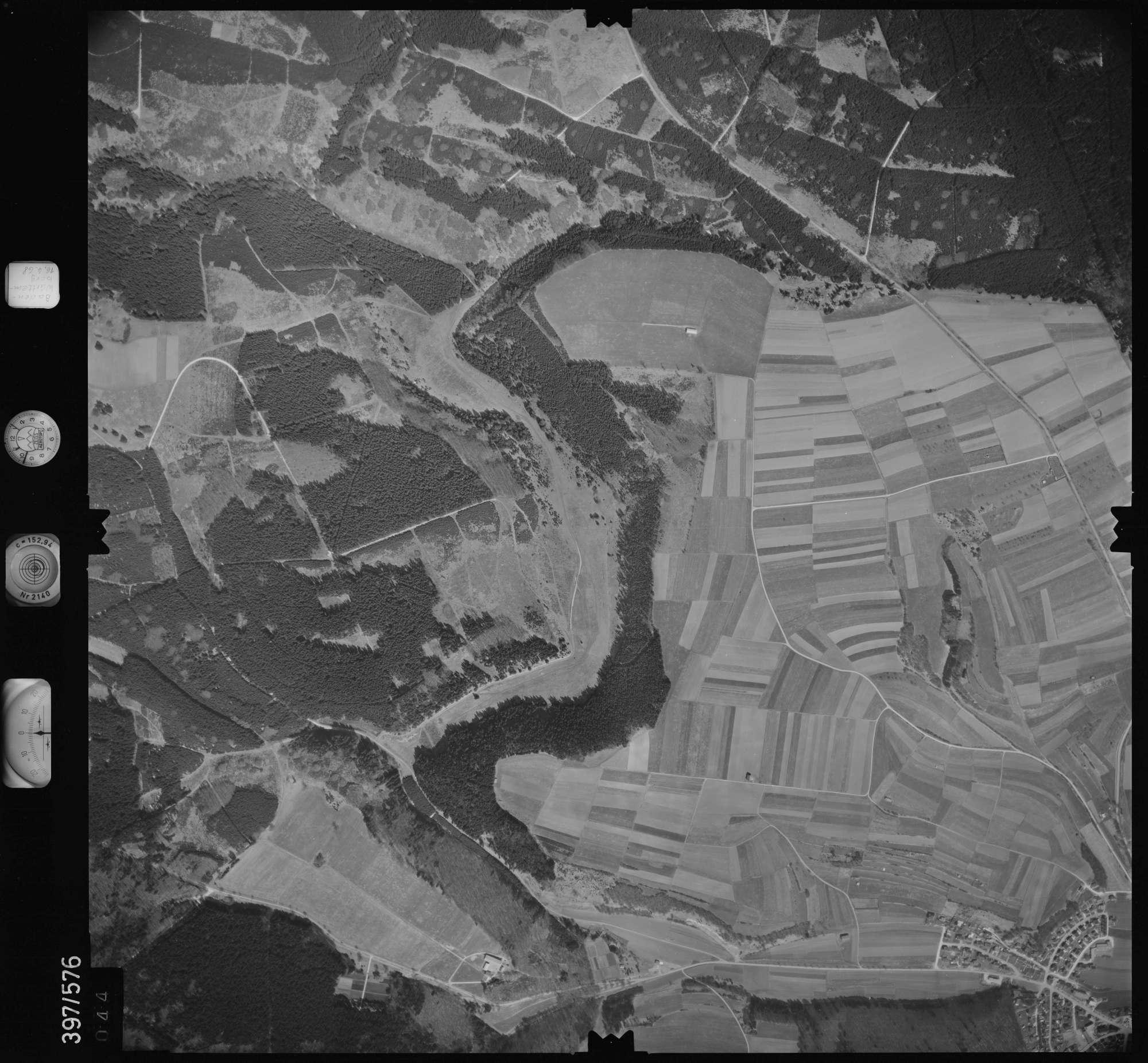 Luftbild: Film 32 Bildnr. 44, Bild 1
