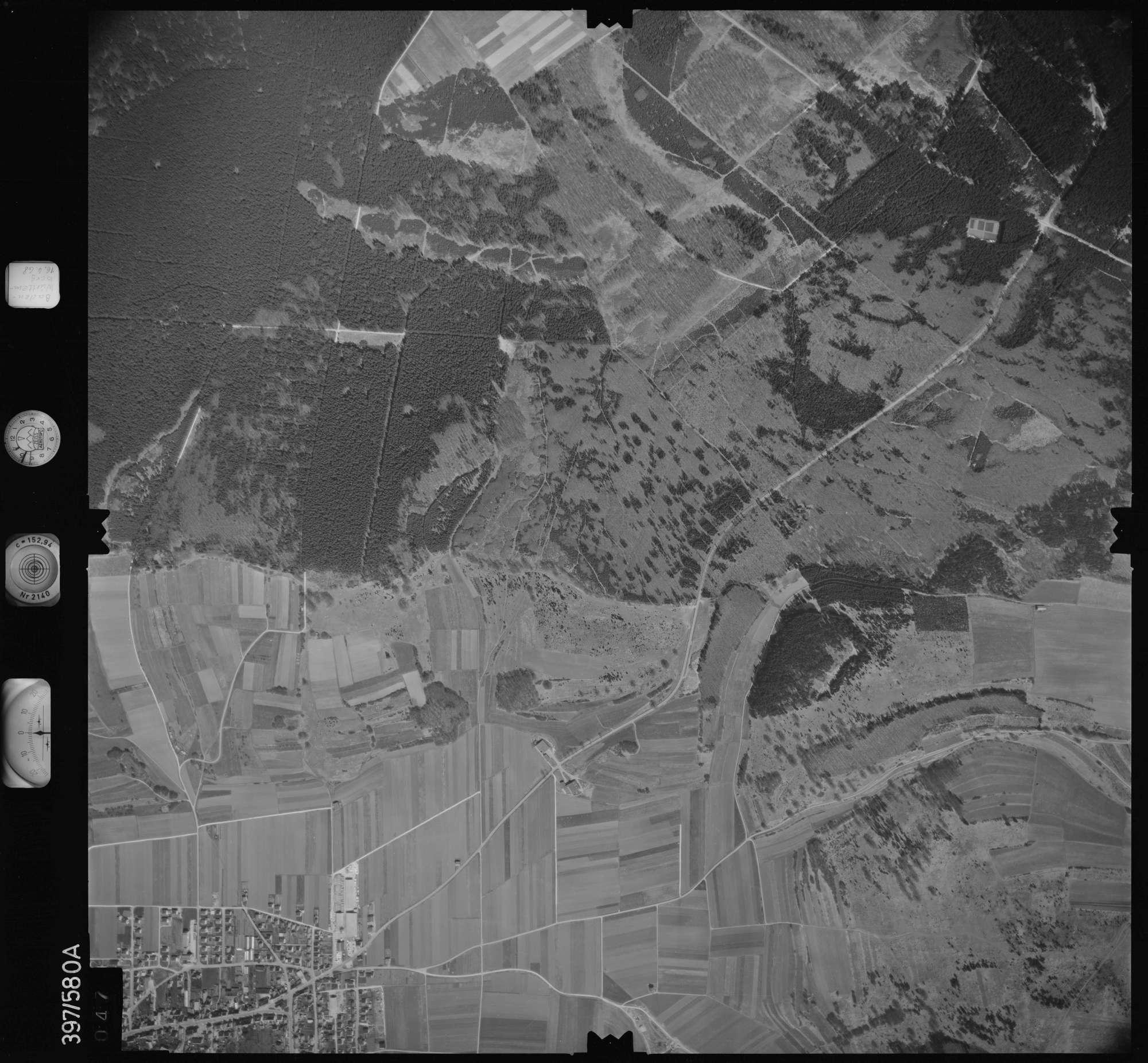 Luftbild: Film 32 Bildnr. 47, Bild 1
