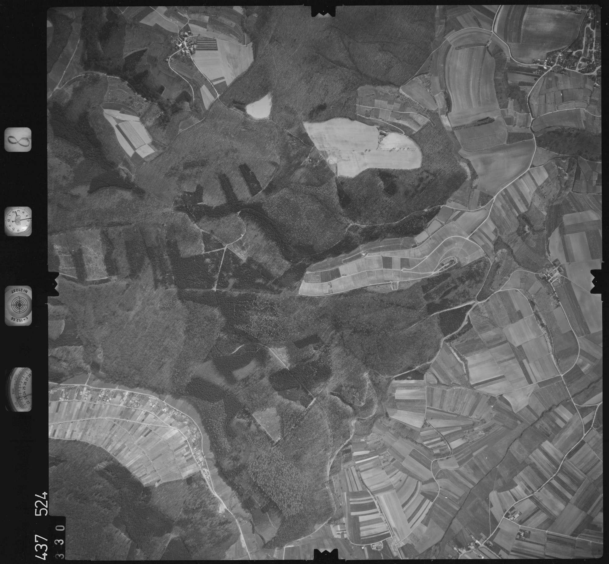 Luftbild: Film 8 Bildnr. 330, Bild 1