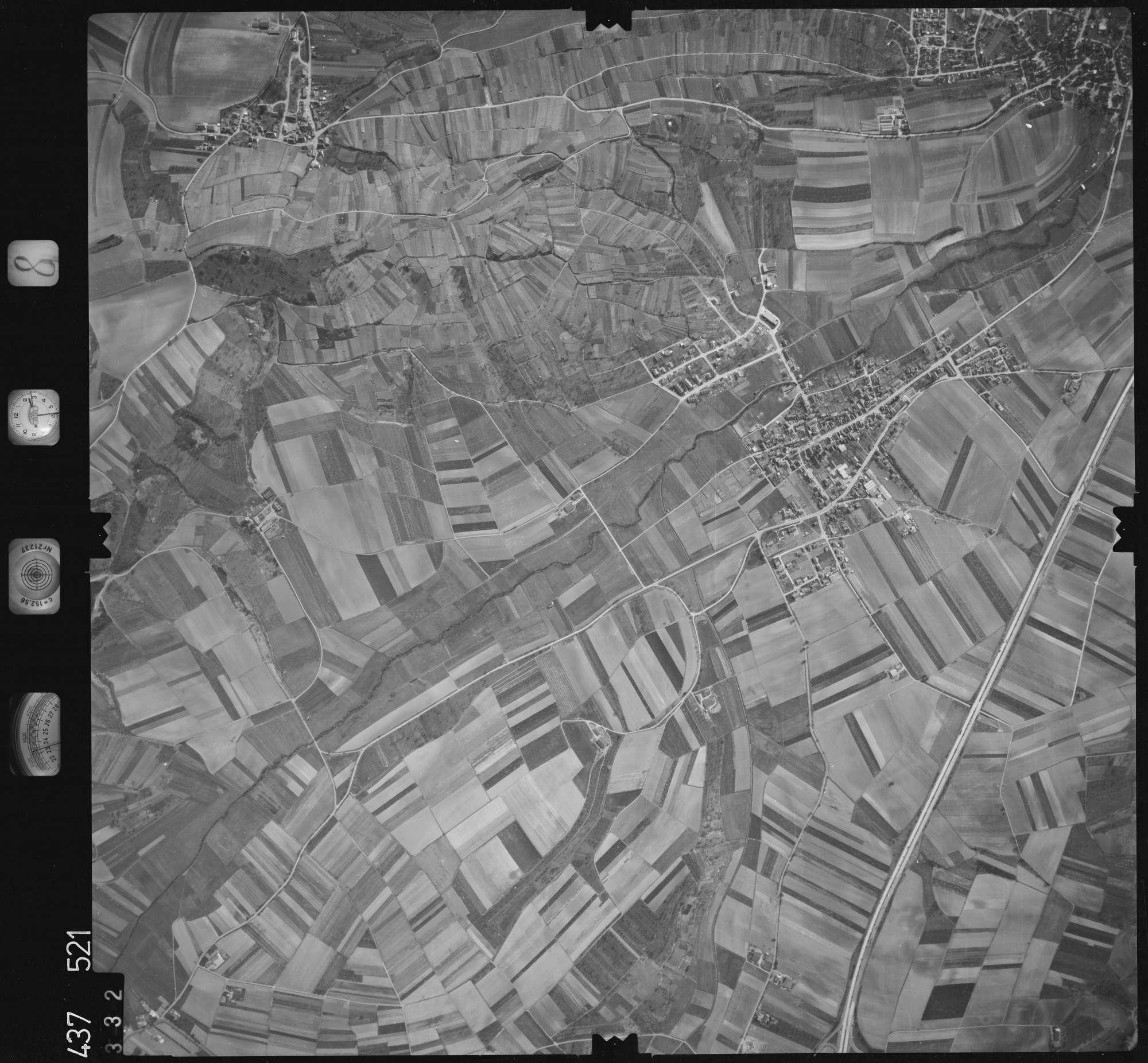 Luftbild: Film 8 Bildnr. 332, Bild 1