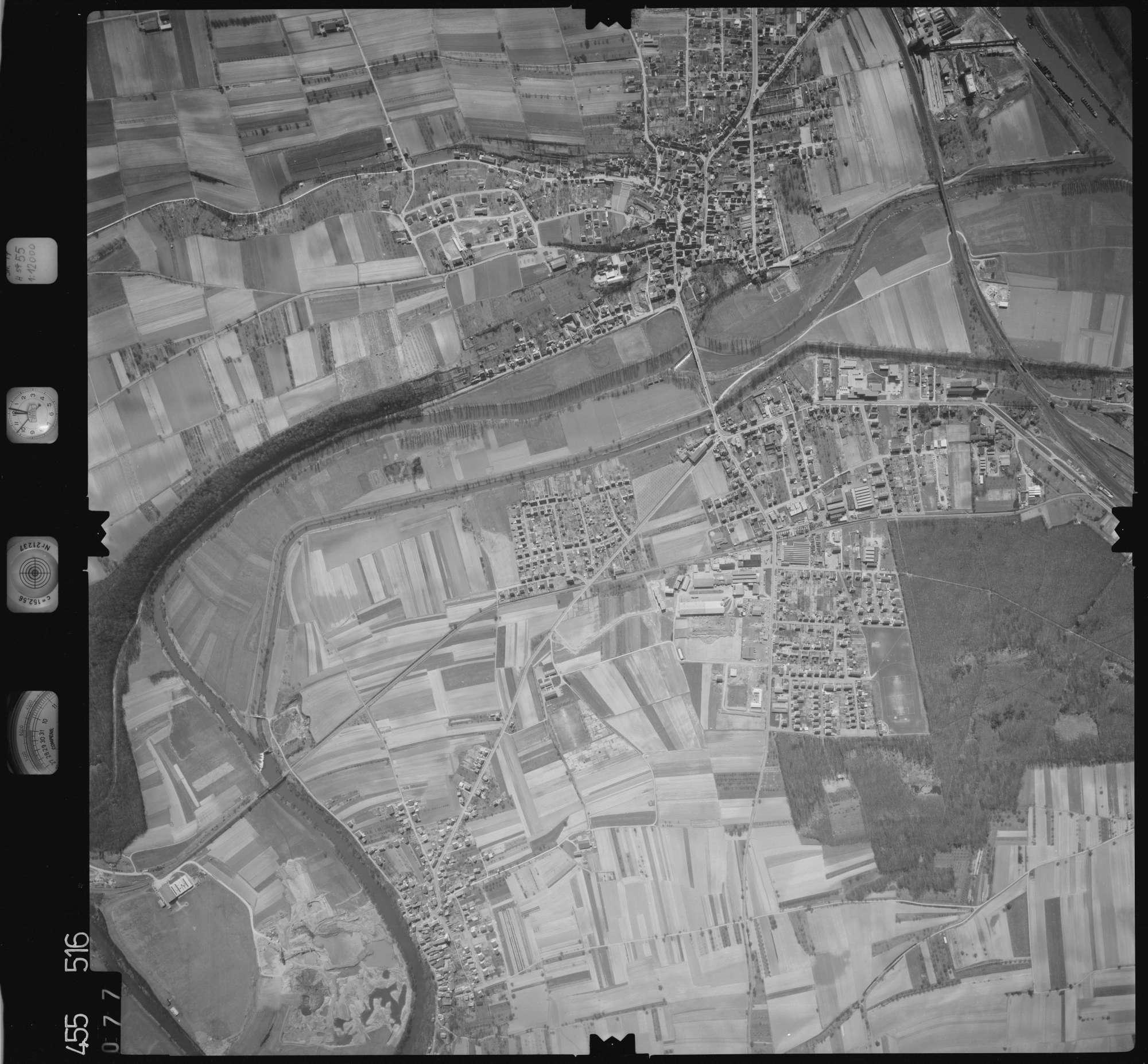Luftbild: Film 17 Bildnr. 77, Bild 1