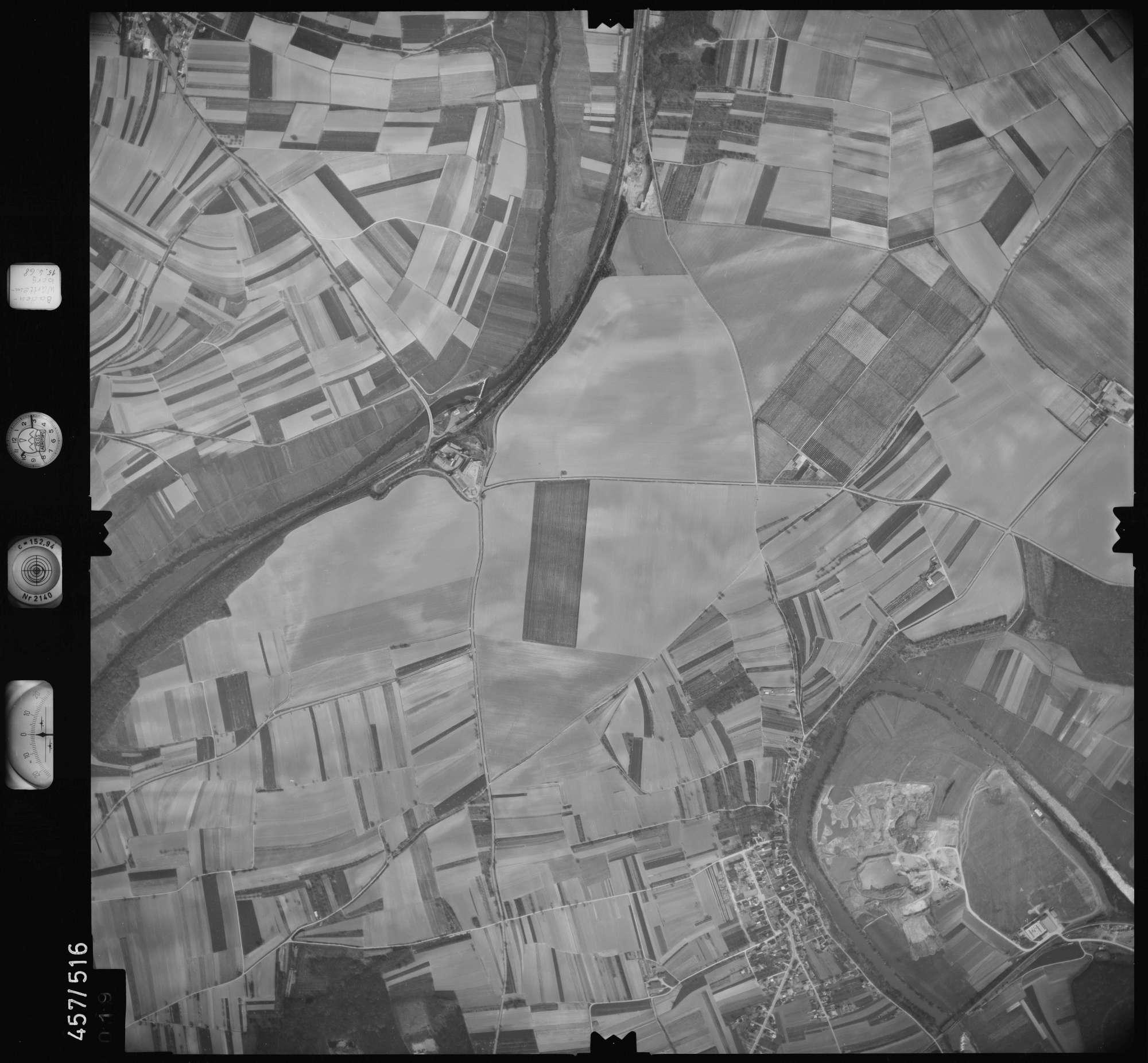 Luftbild: Film 105 Bildnr. 19, Bild 1