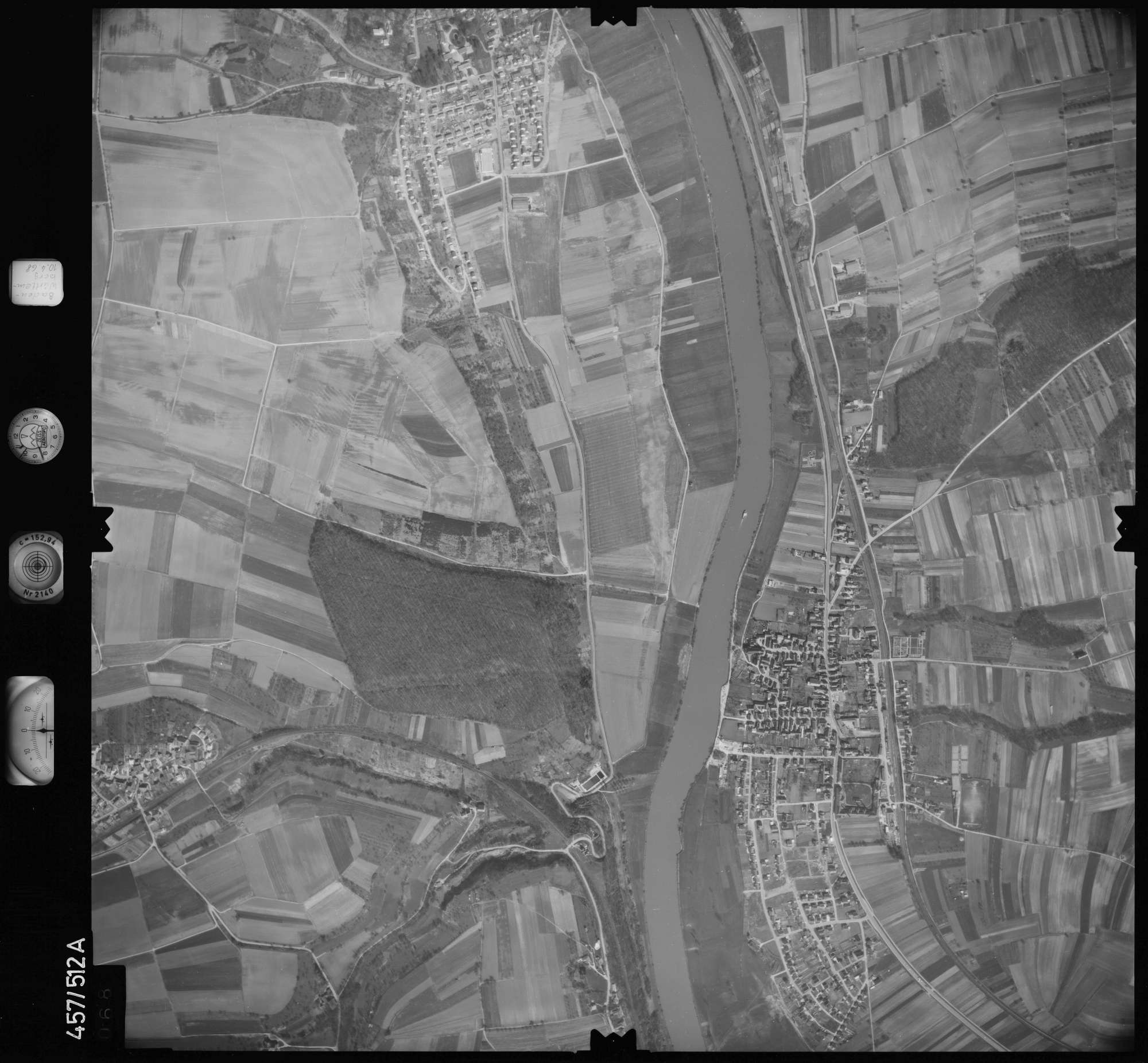 Luftbild: Film 104 Bildnr. 68, Bild 1
