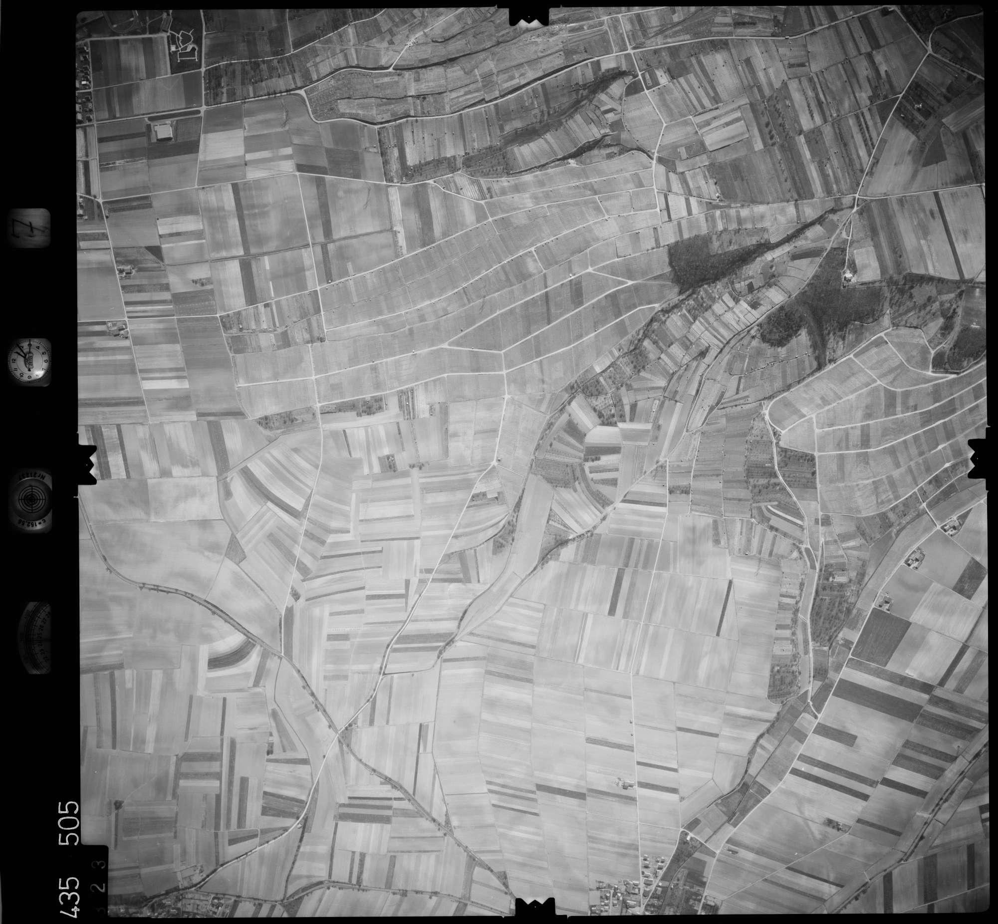 Luftbild: Film 7 Bildnr. 323, Bild 1
