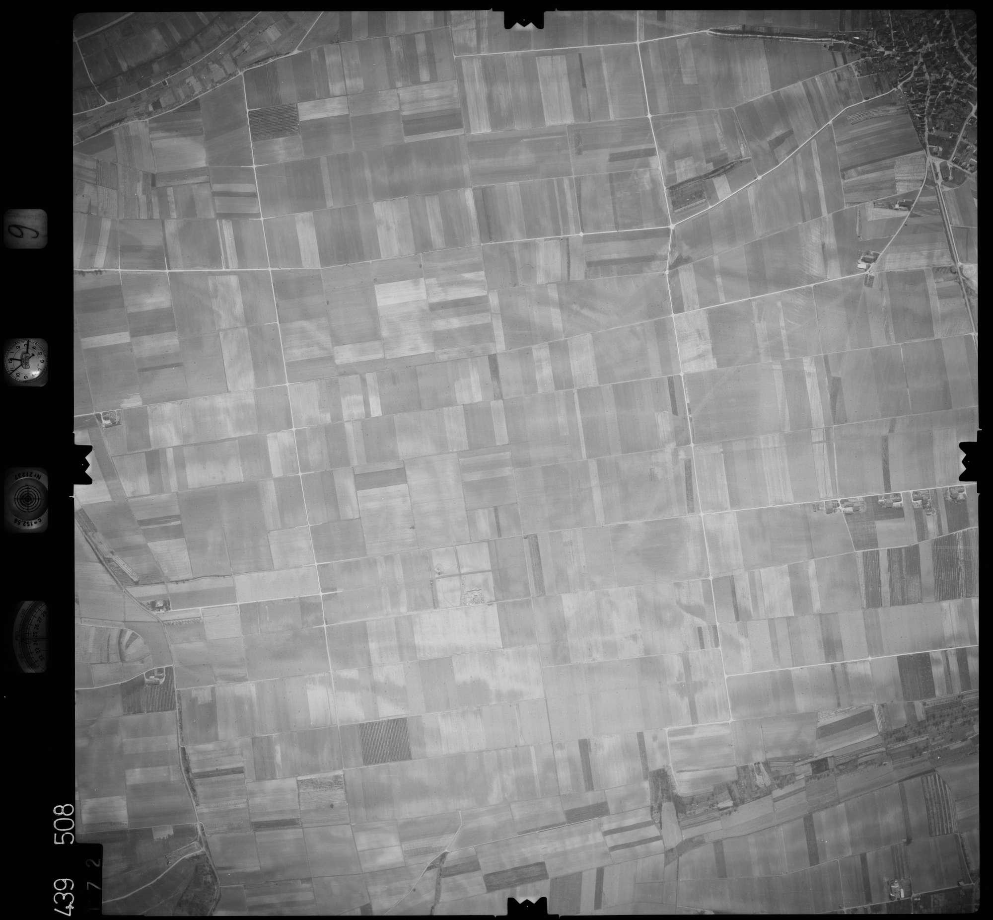 Luftbild: Film 9 Bildnr. 172, Bild 1